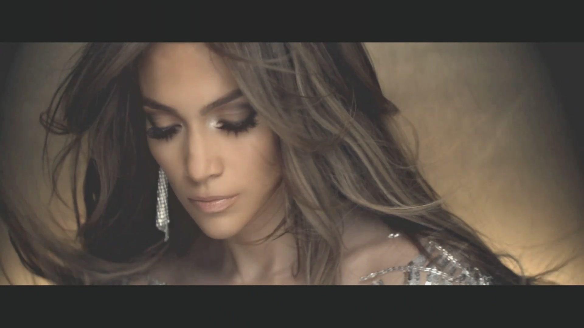 523712 Jennifer Lopez On The Floor Wallpapers