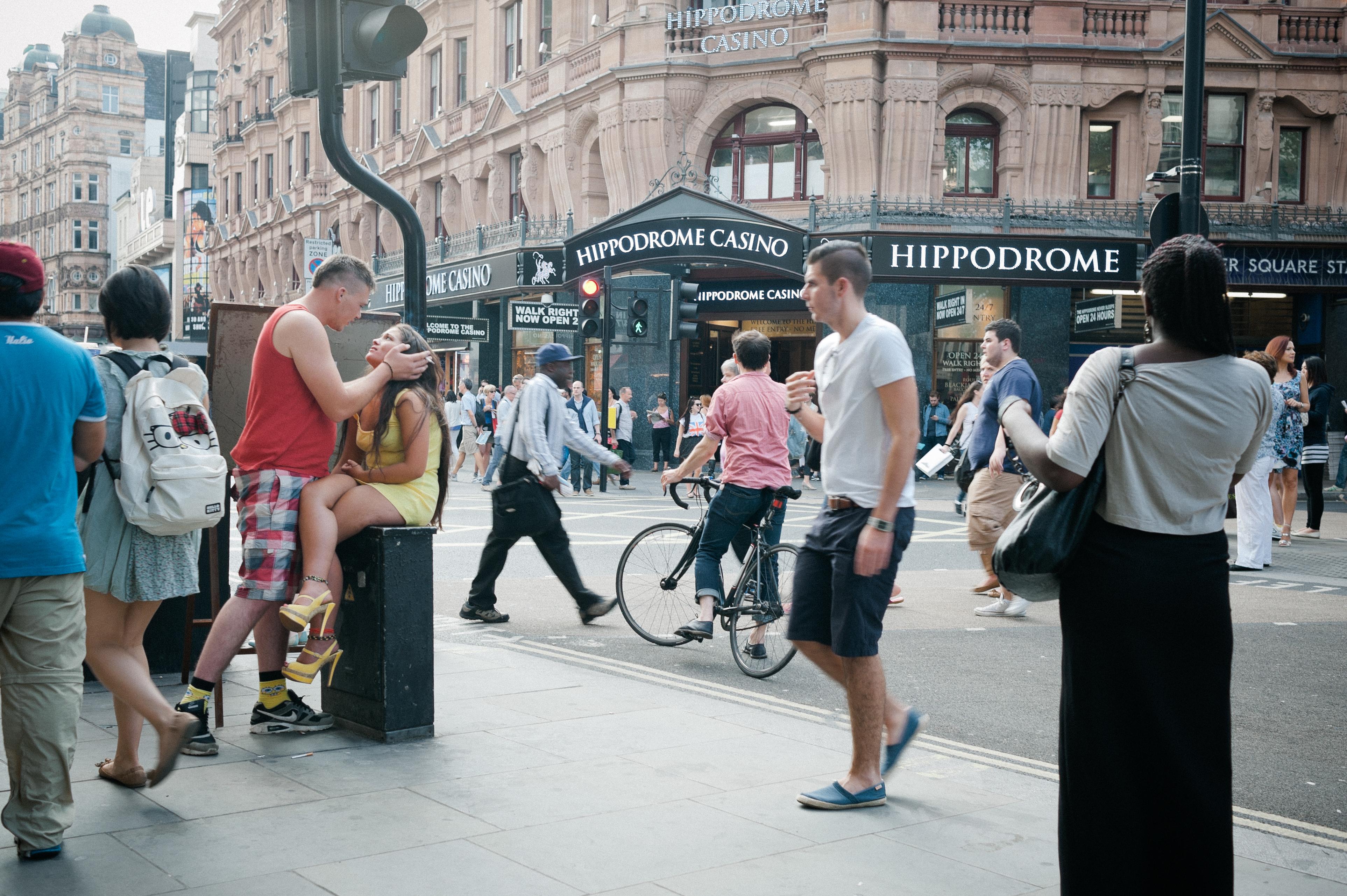 Seen on the Street: An Urban Love Story | Babb Photo Blog