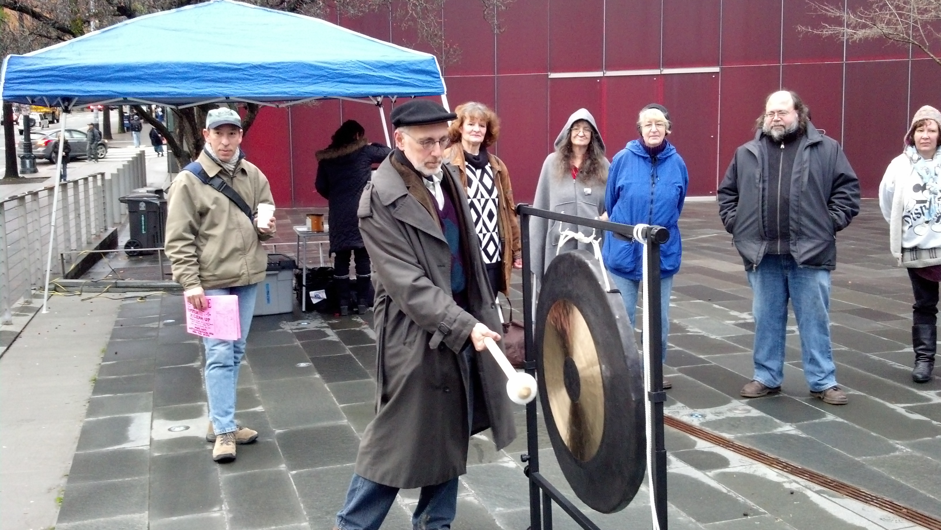 One night count: ringing the gong #1 photo