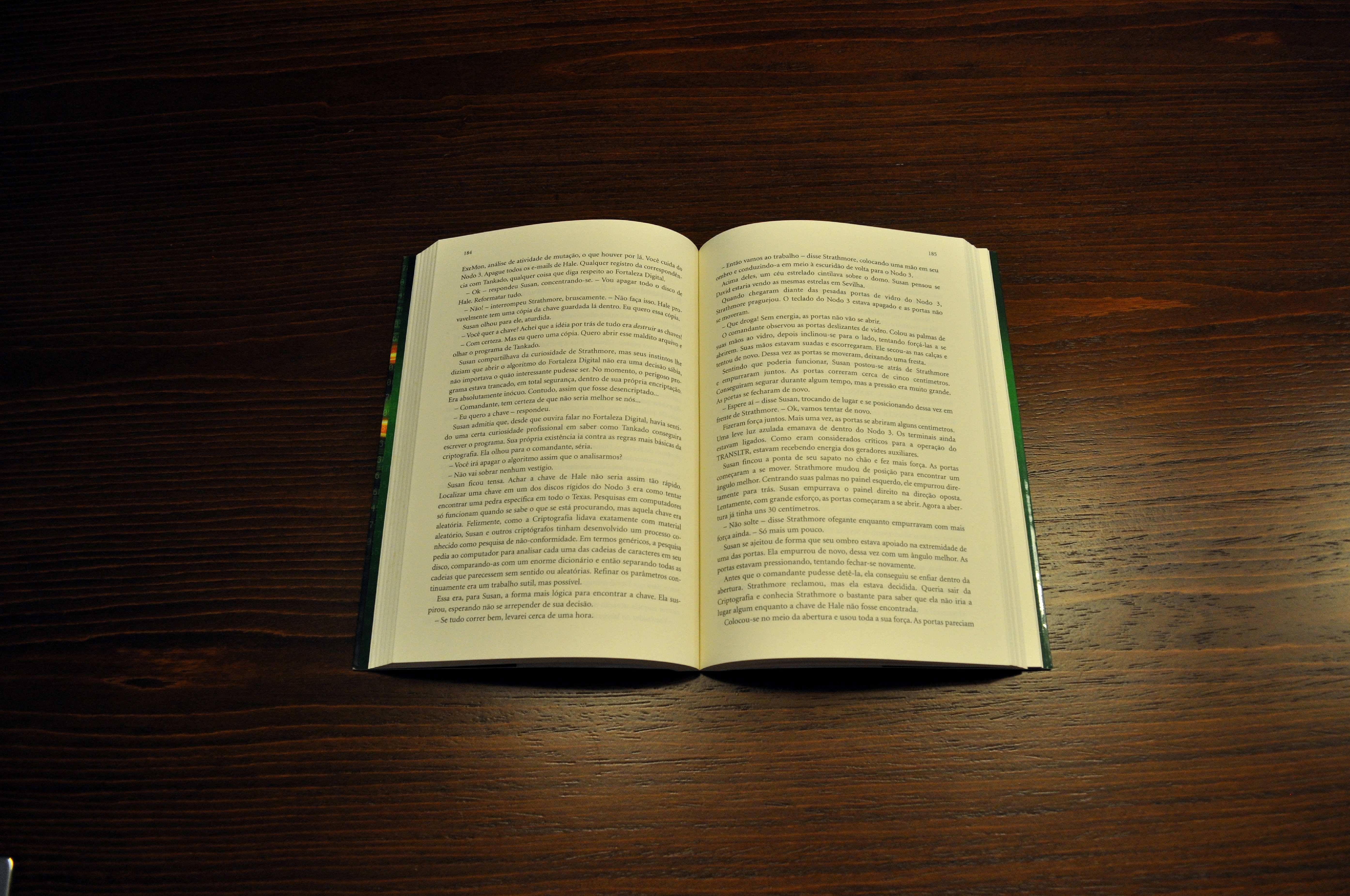 Free picture: open, book, jaundiced
