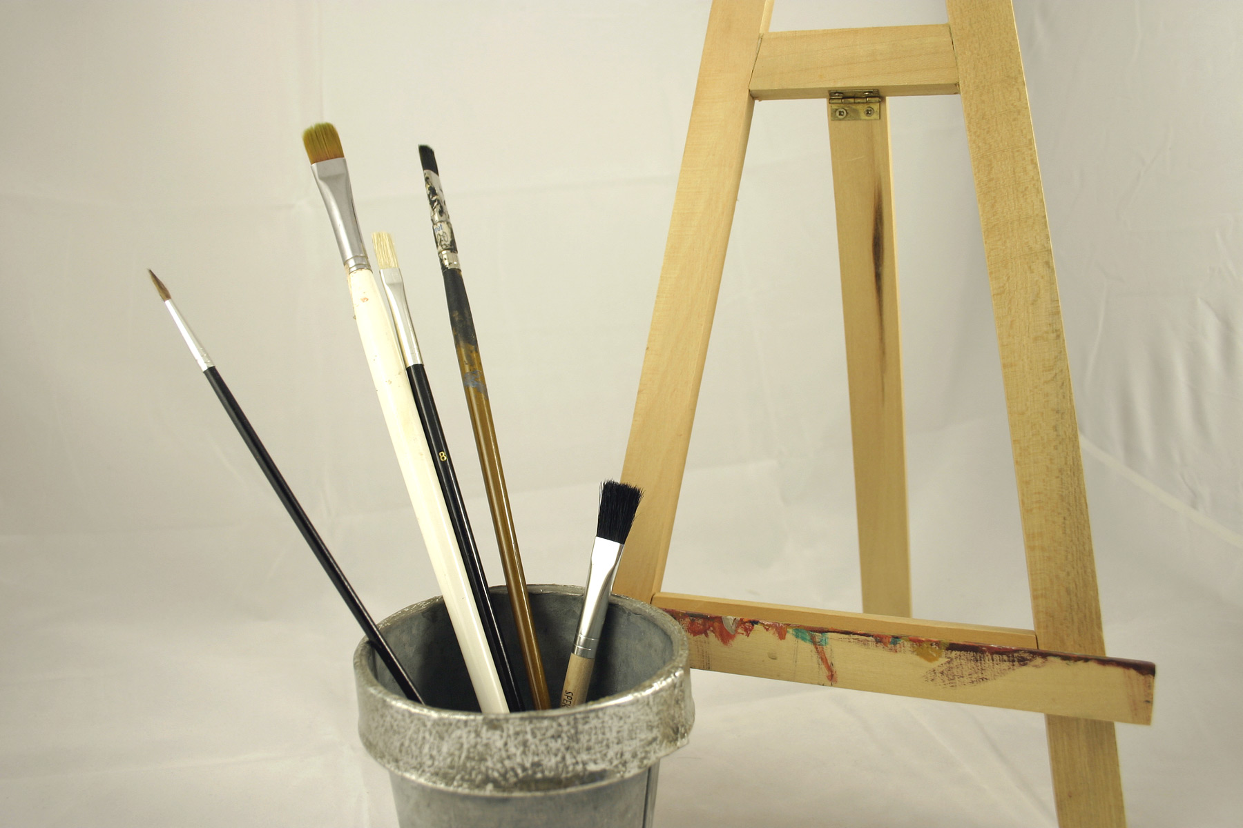 Paint brushes and display easel photo