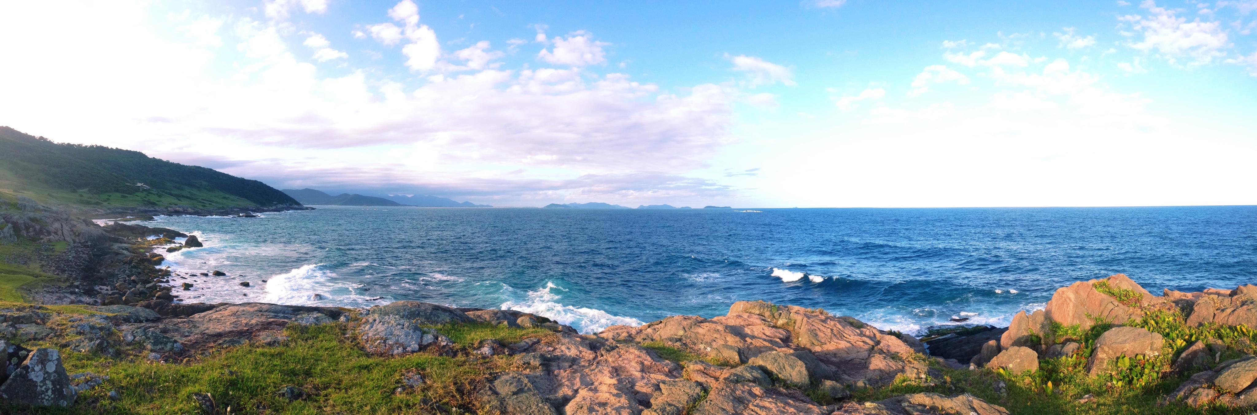 Panorama da trilha da praia da silveira. photo