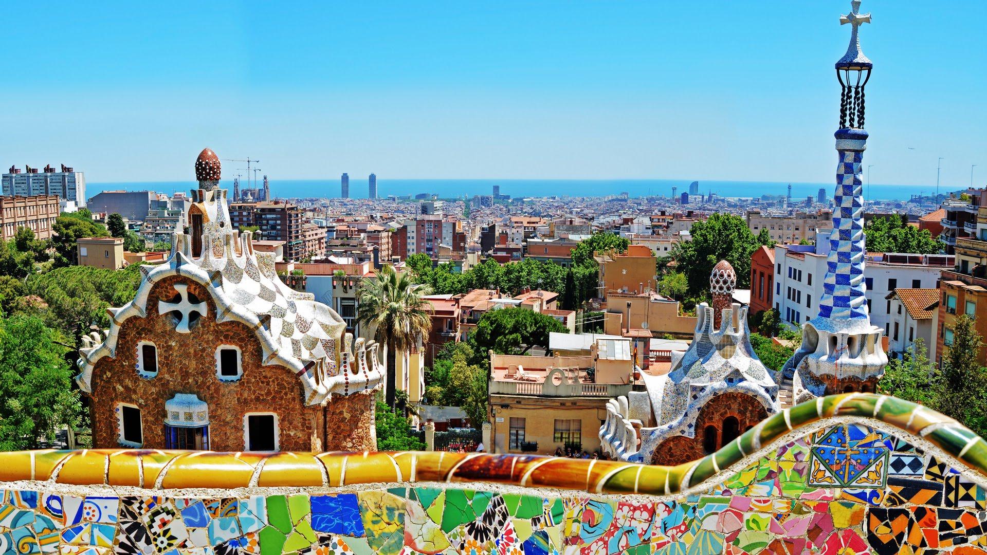 Barcelona - Park Güell - YouTube