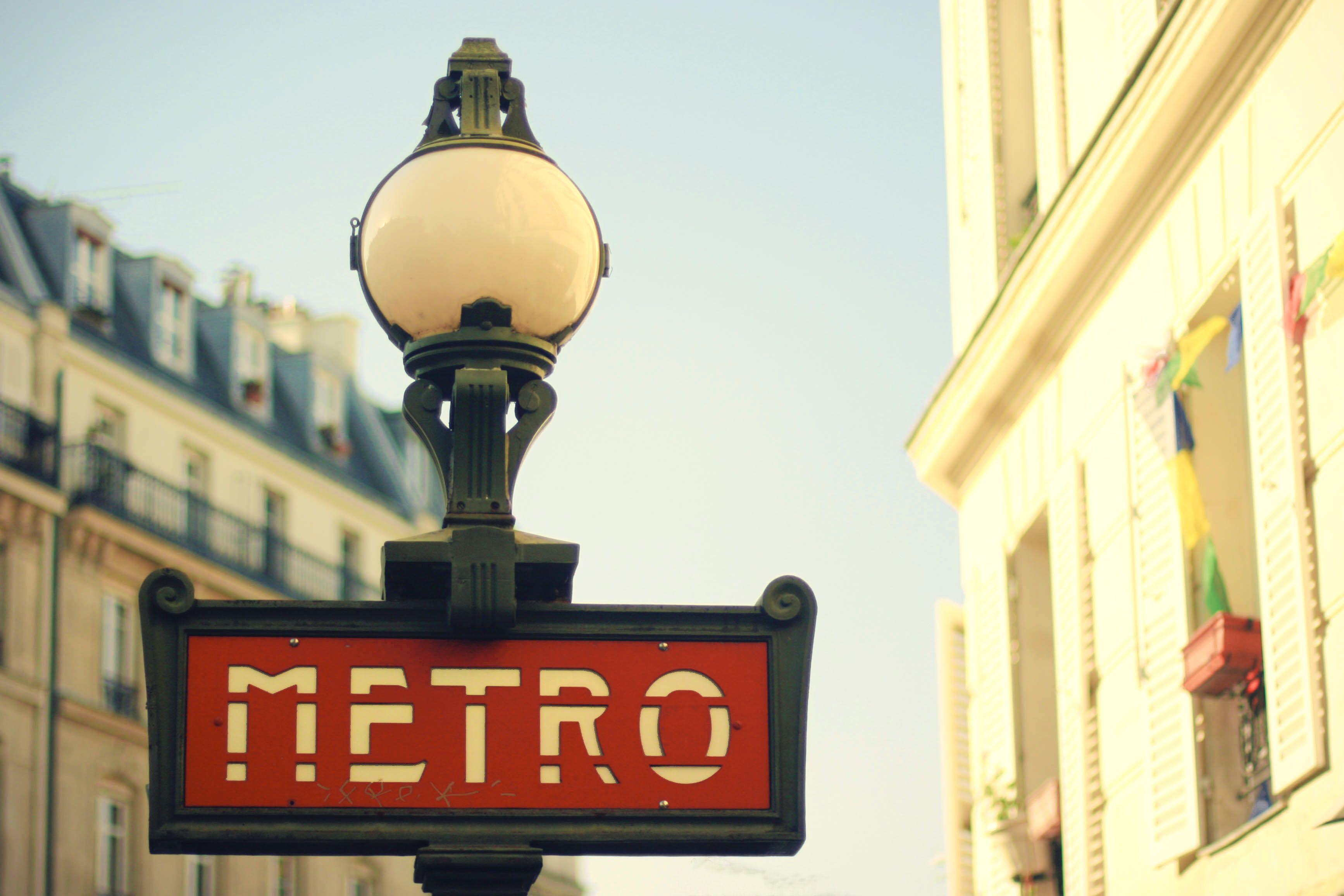 Le Metro | Je t'adore Paris | Pinterest