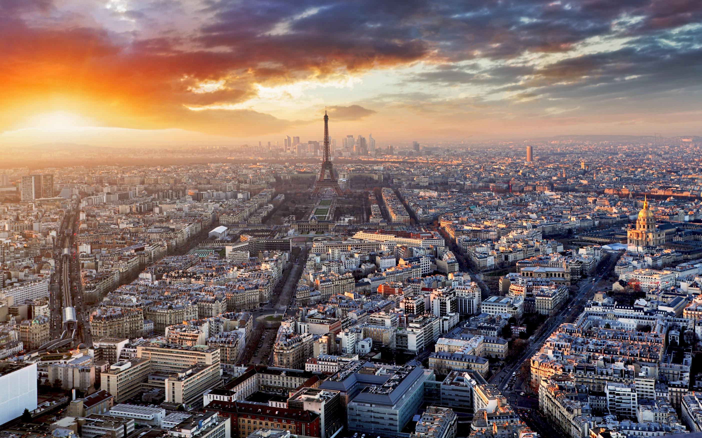 Paris skyline - Tunnel Business Magazine