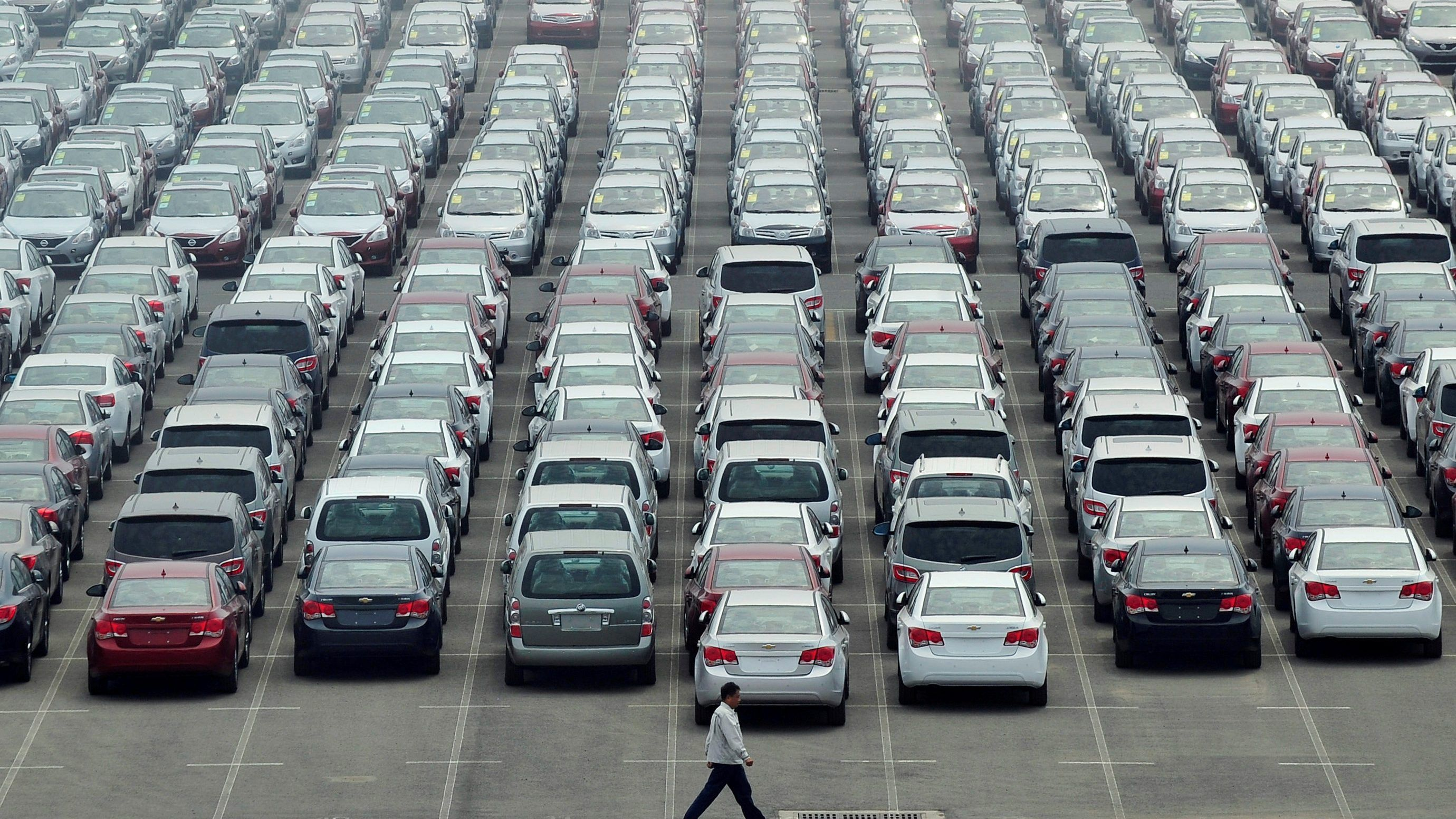A parking spot sold in Hong Kong for nearly $700,000, but it might ...