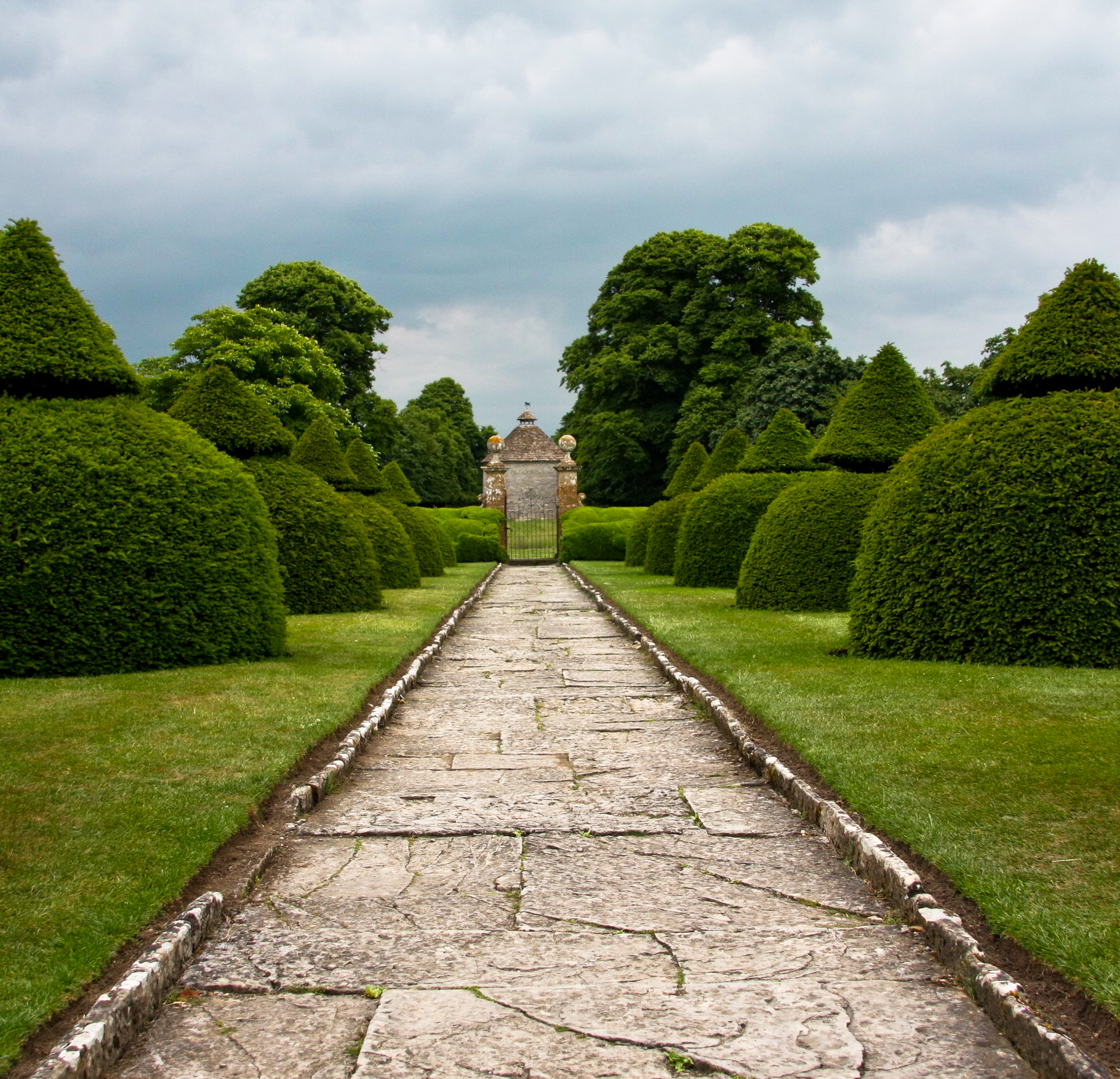 File:Long path to take.....to the dovecote (4699339324).jpg ...