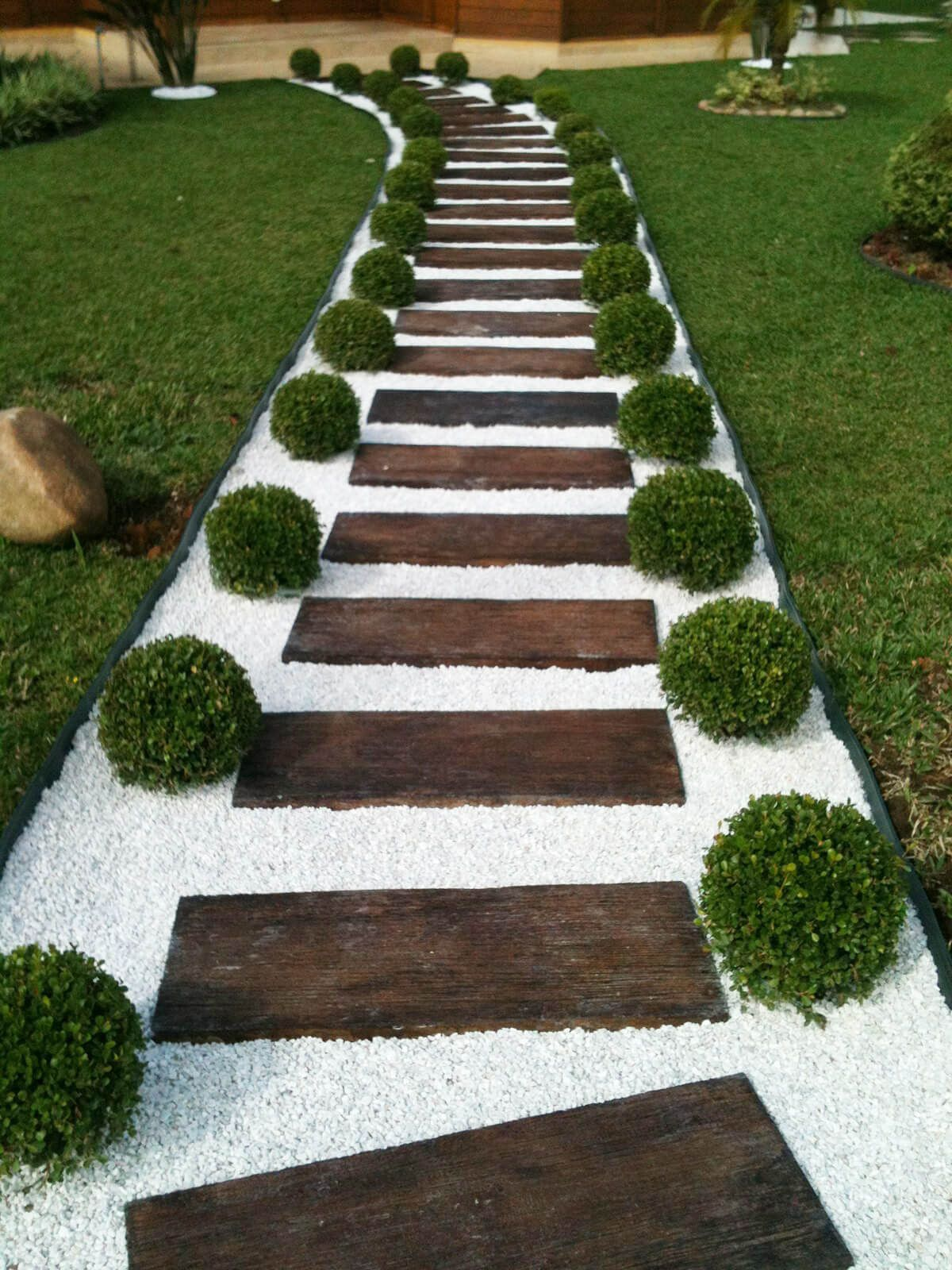 25 Fabulous Garden Path and Walkway Ideas | Wood ladder, Stone and Woods