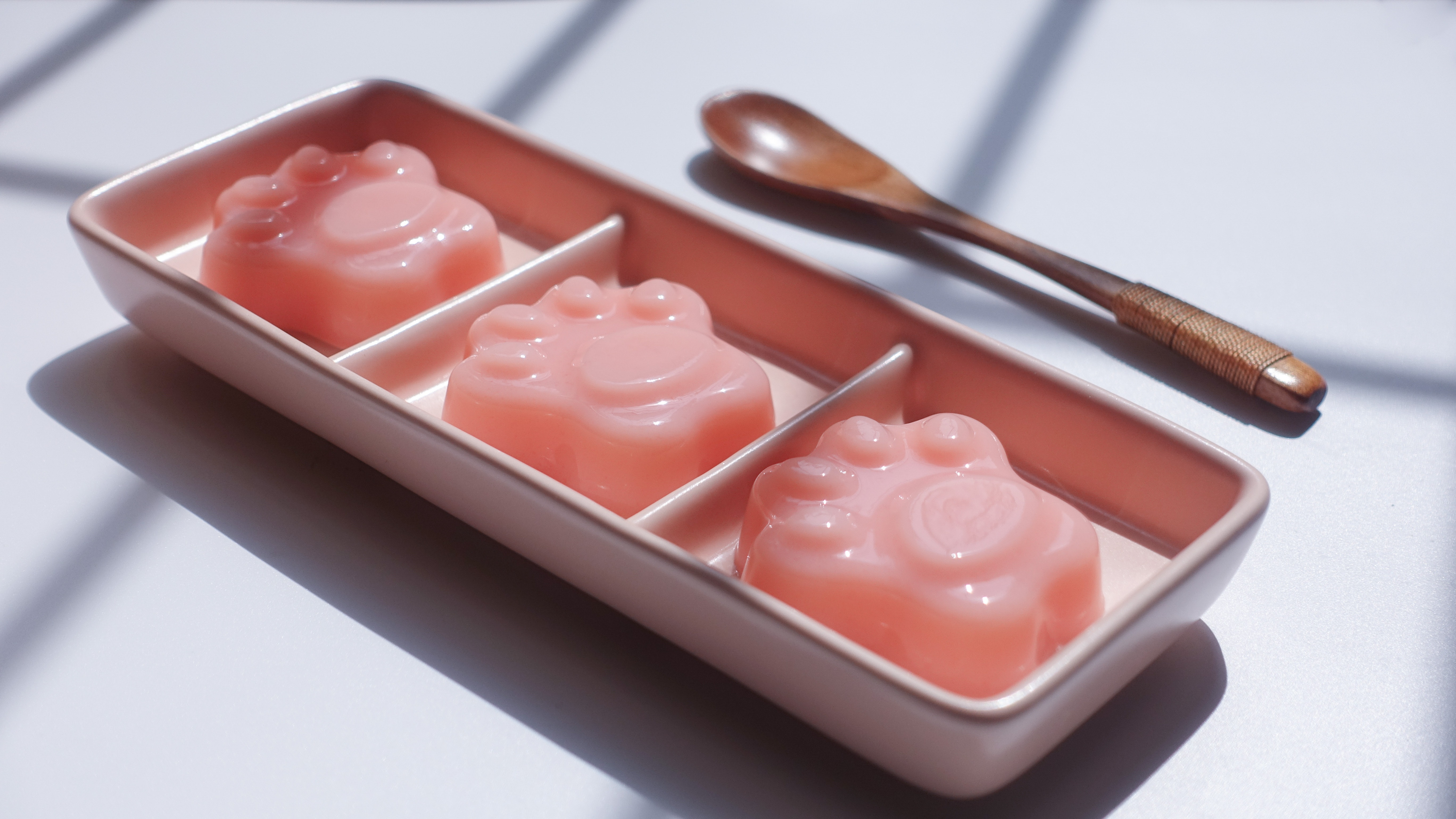 Paw Shape Jell-o on Pink Ceramic Container Near Brown Wooden Tablespoon, Close -up, Colors, Delicious, Food, HQ Photo