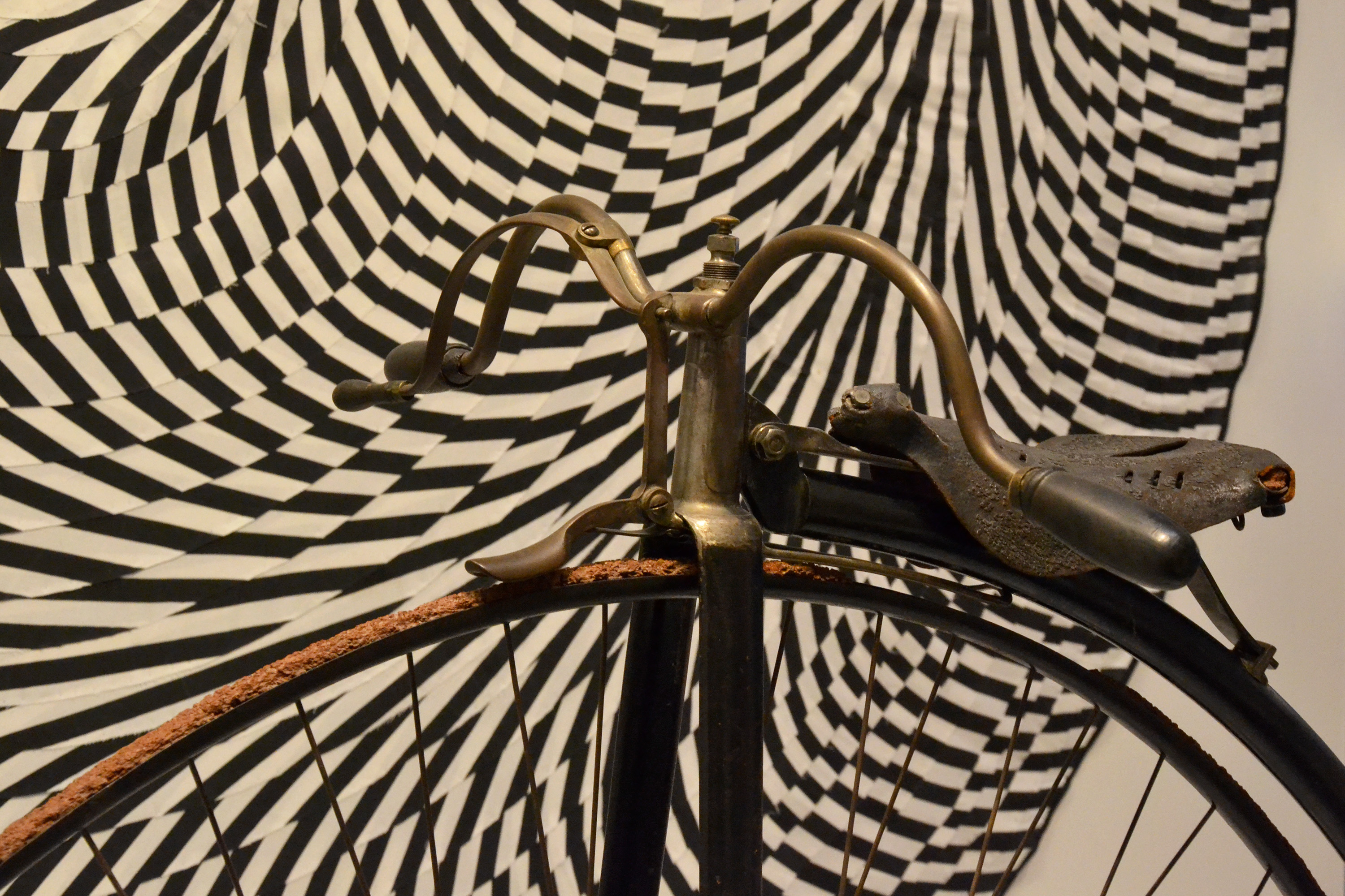 Penny-farthing detail photo