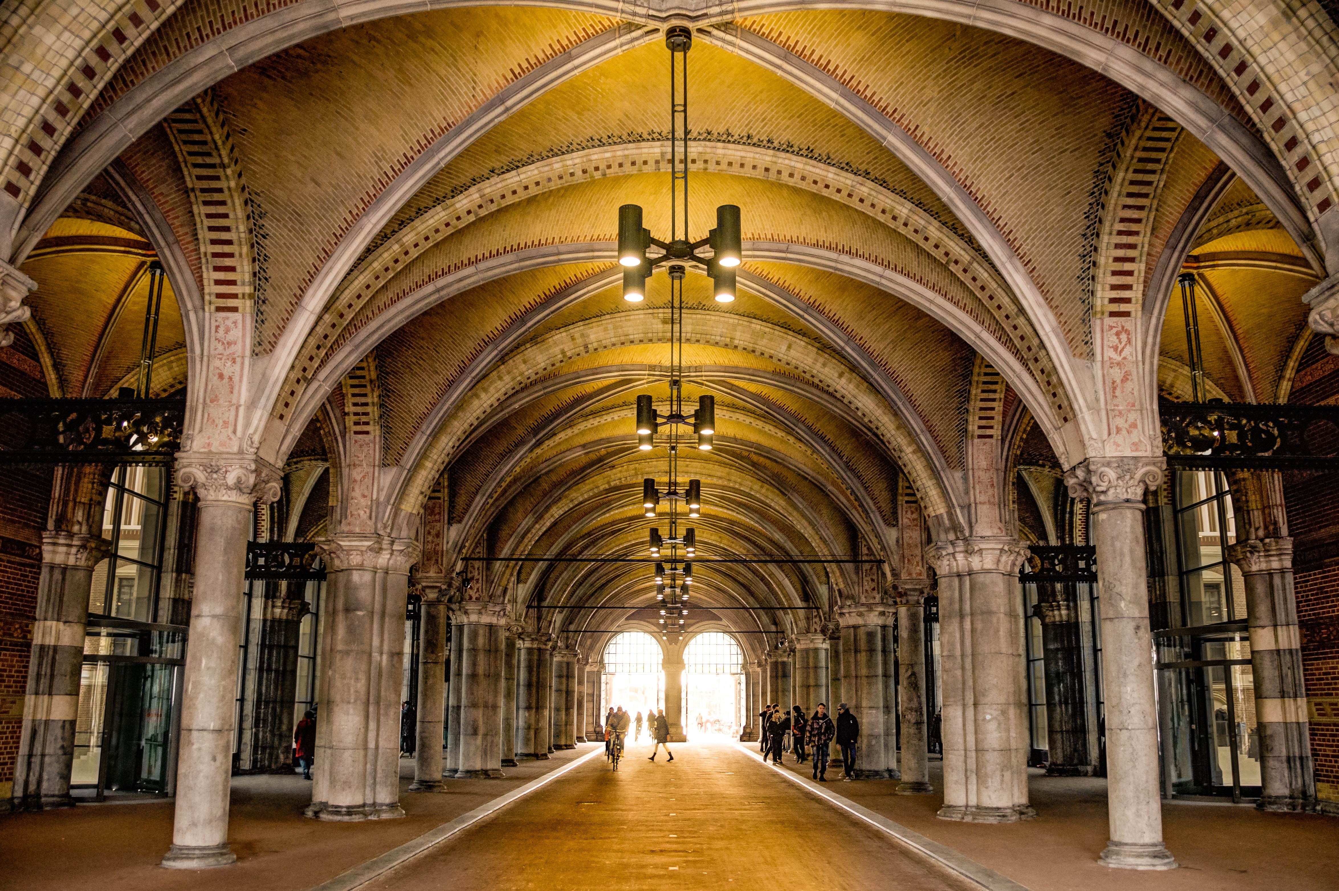 People on Gray and Beige Mansion during Daytime, Arches, Architecture, Building, Pillars, HQ Photo