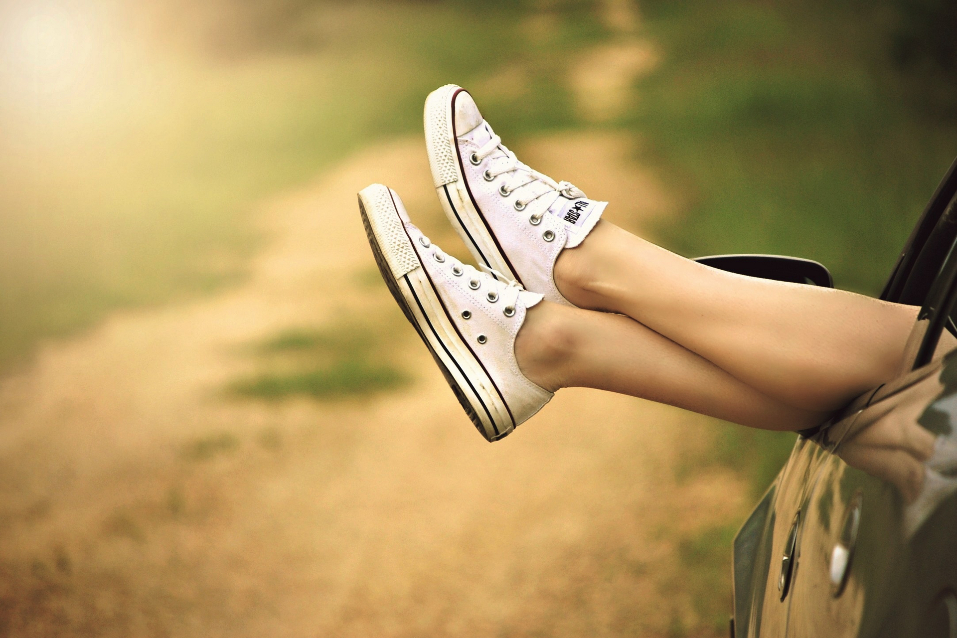 Person Showing Its Feet Wearing White Sneakers © pixabay.com/CC0 1.0 ...