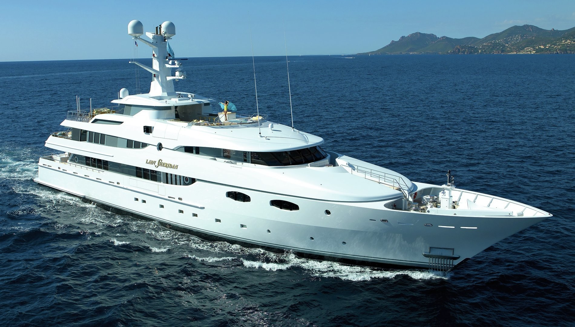 Top yachts on sale at Palm Beach International Boat Show 2018 — BEAM ...