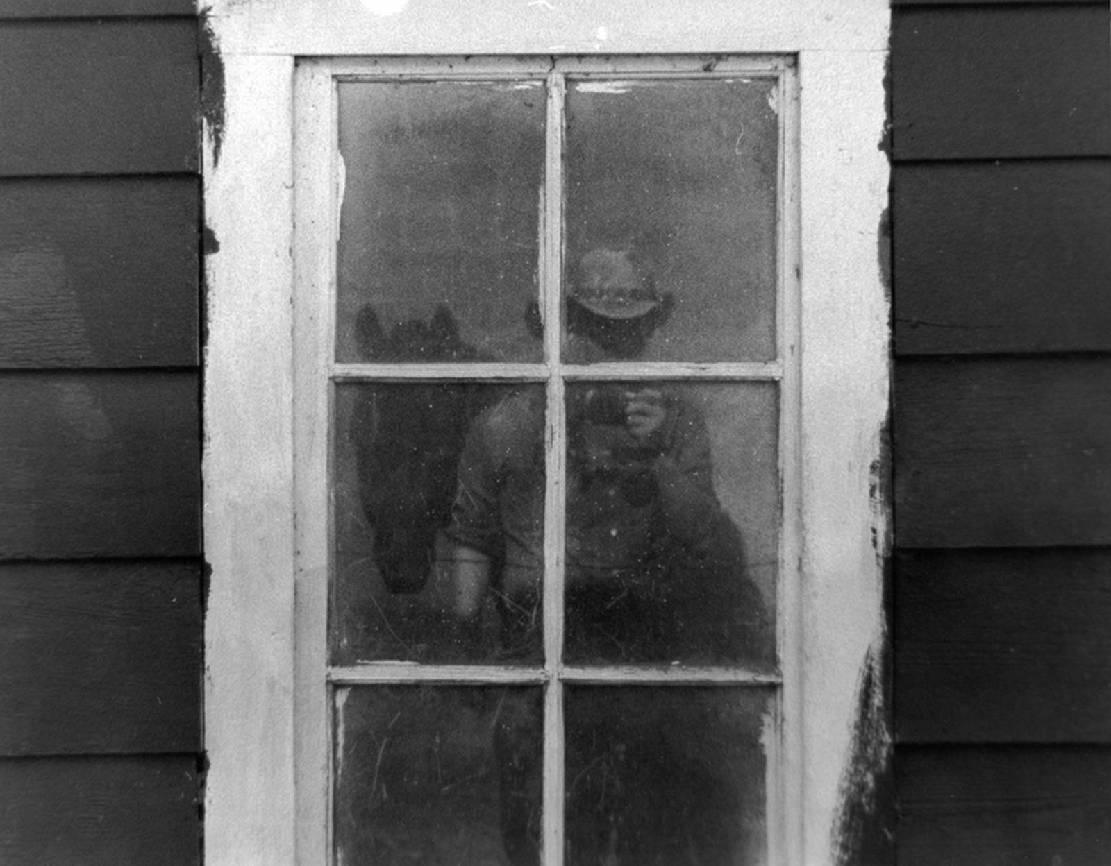 Photographer in the window, Bspo06, B&w, Cowboy, Farm, HQ Photo