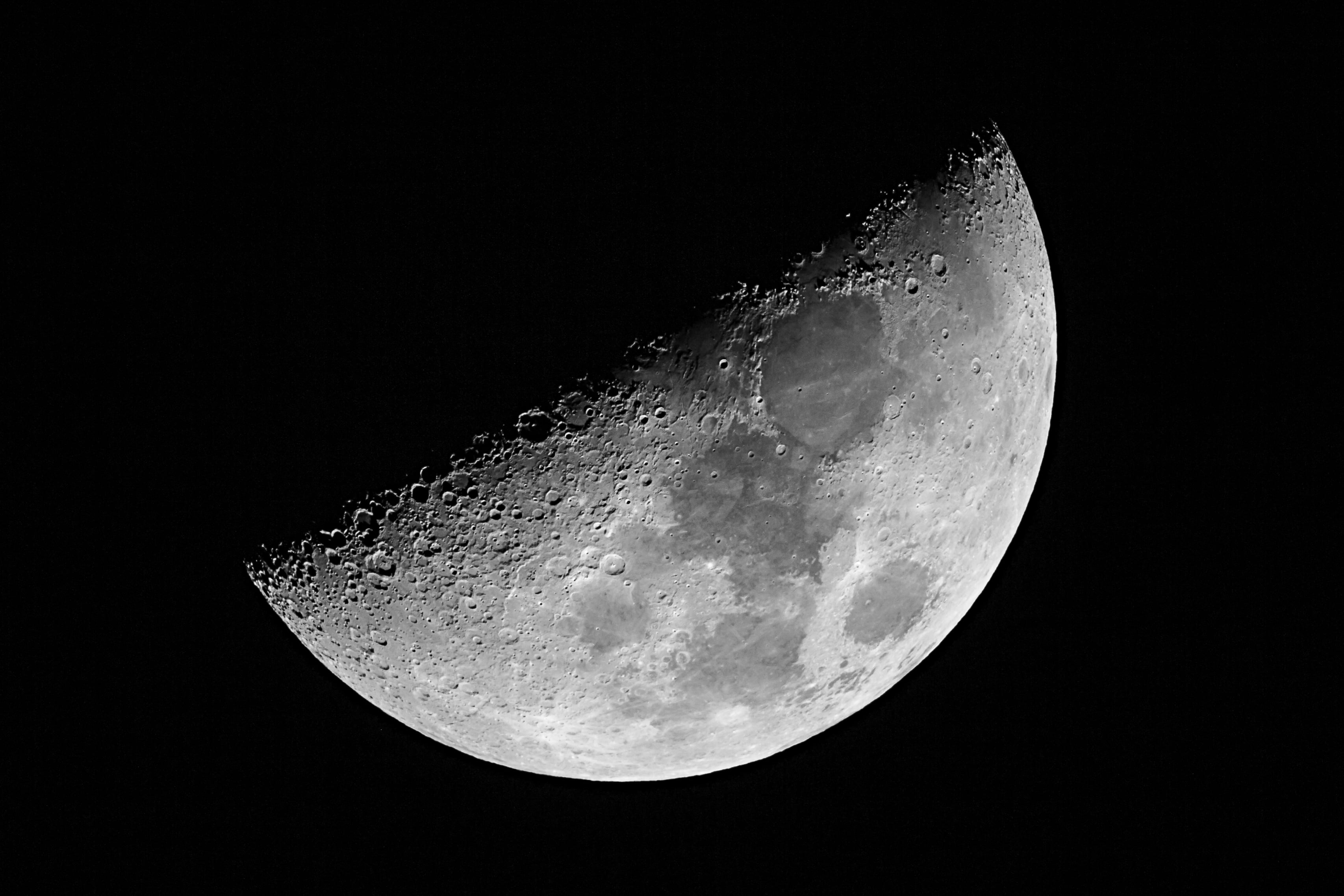 Shallow photography of Moon HD wallpaper | Wallpaper Flare