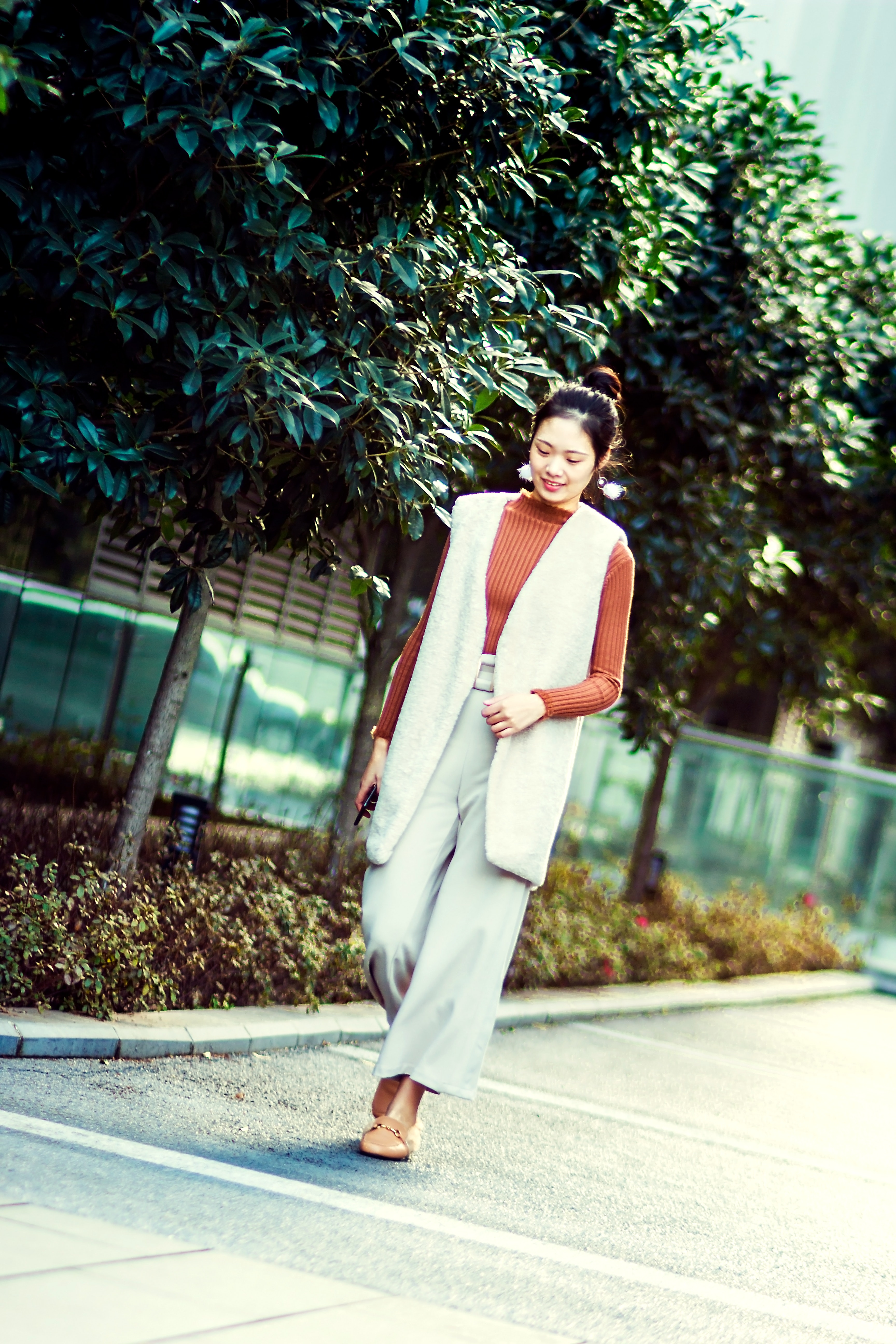 Photography of A Woman Walking, Pretty, Smile, Plants, Photoshoot, HQ Photo