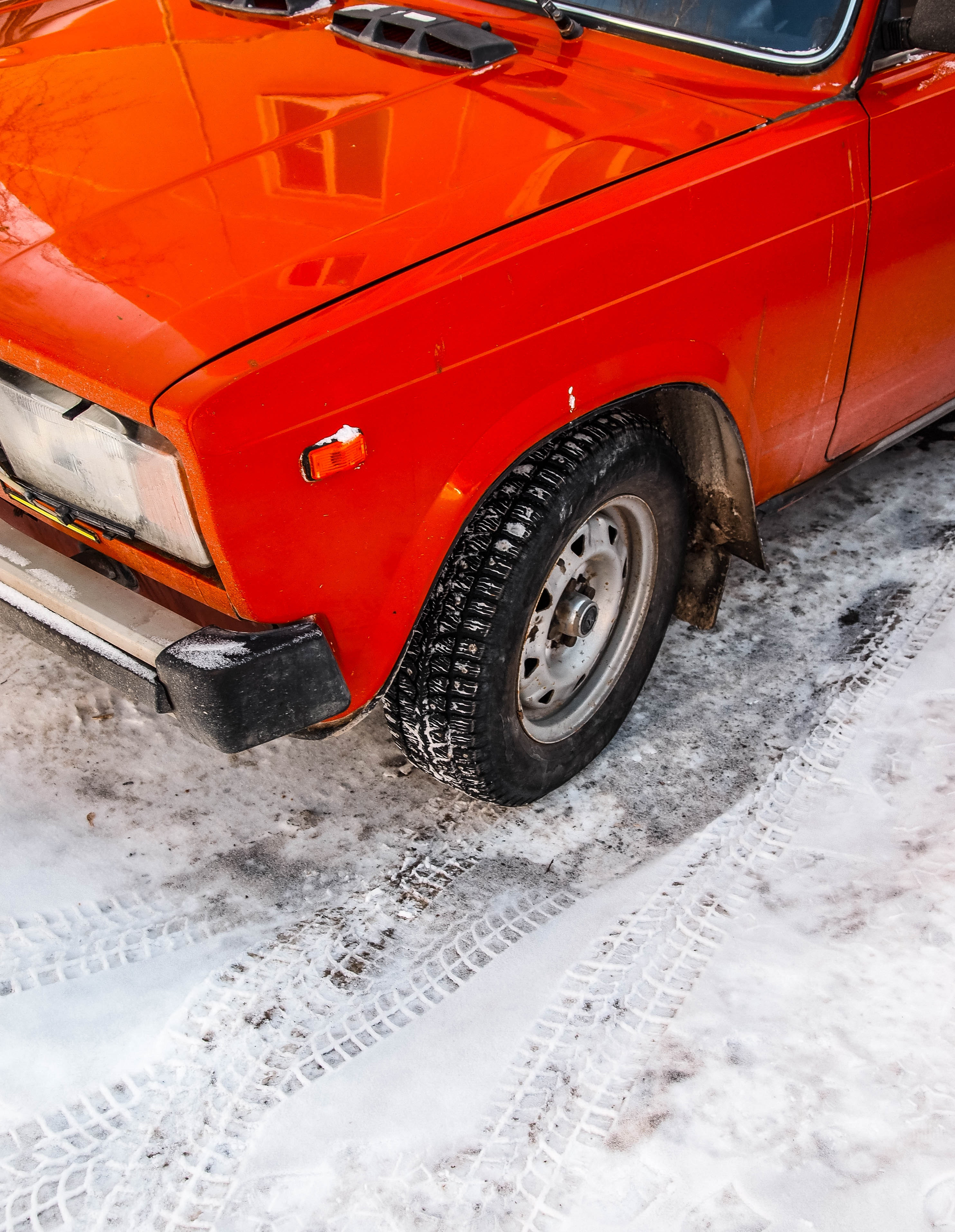 Photography of Red Classic Car, Snow, Winter, Wheel, Vintage car, HQ Photo
