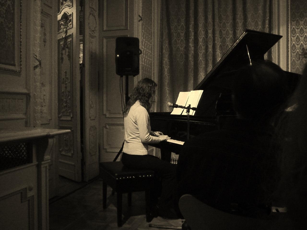 Piano in the dark photo