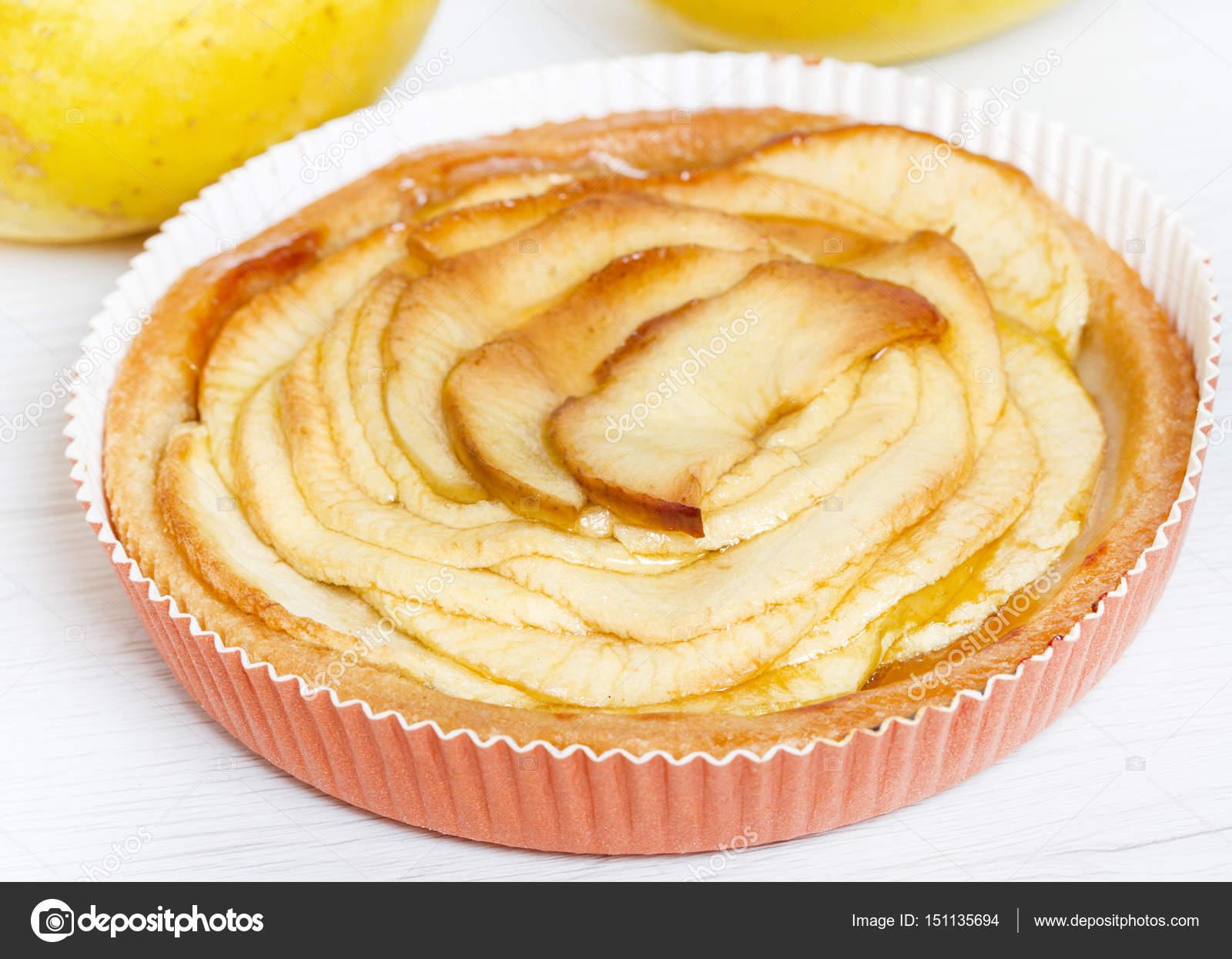 apple pie on white wood background — Stock Photo © lsantilli #151135694