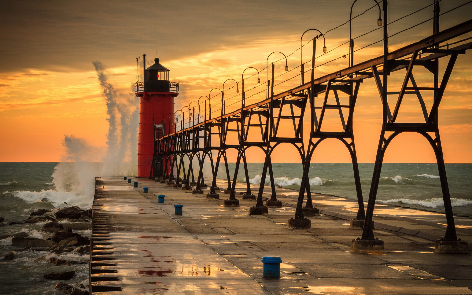 Red lighthouse at the pier / 1920 x 1200 / Other / Photography ...