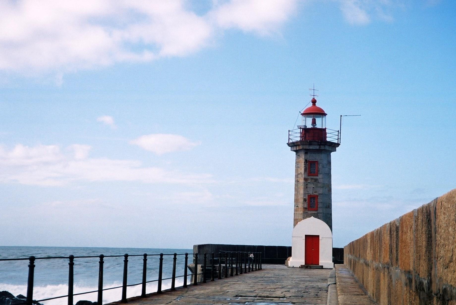 File:Felgueiras Lighthouse and Pier 2.JPG - Wikimedia Commons