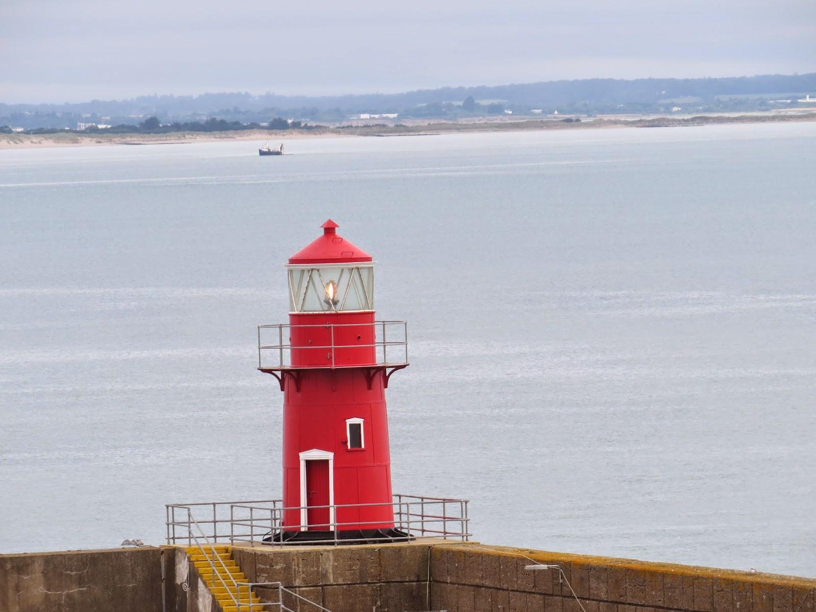 Pete's Irish Lighthouses: Rosslare Pier Light