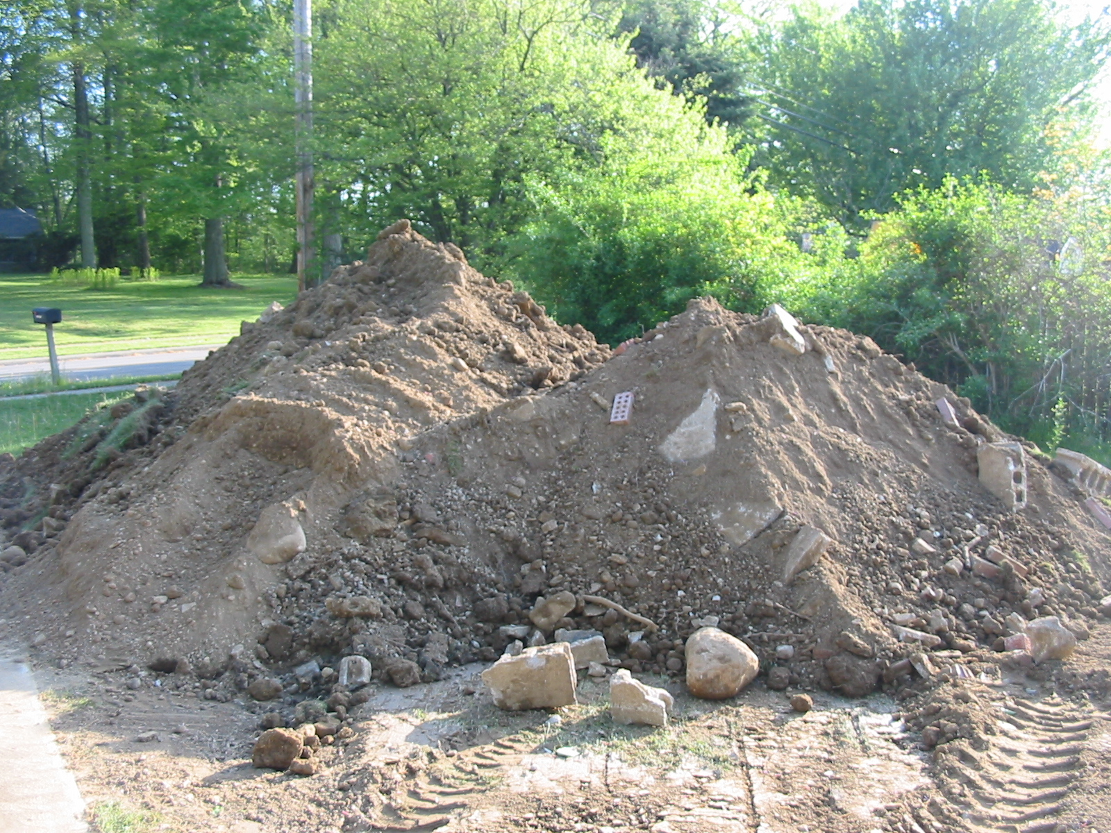 Pile of dirt photo