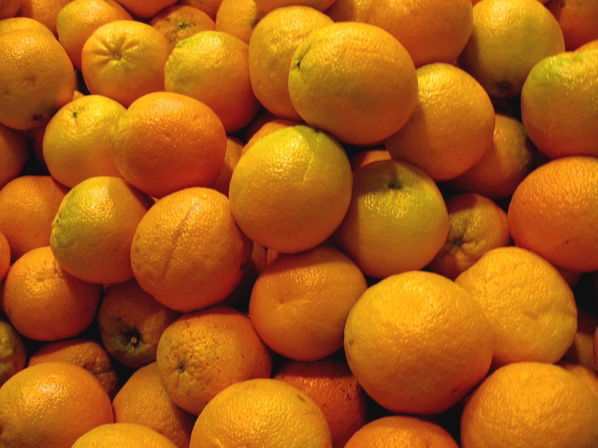 File:Pile of Oranges.jpg - Wikipedia