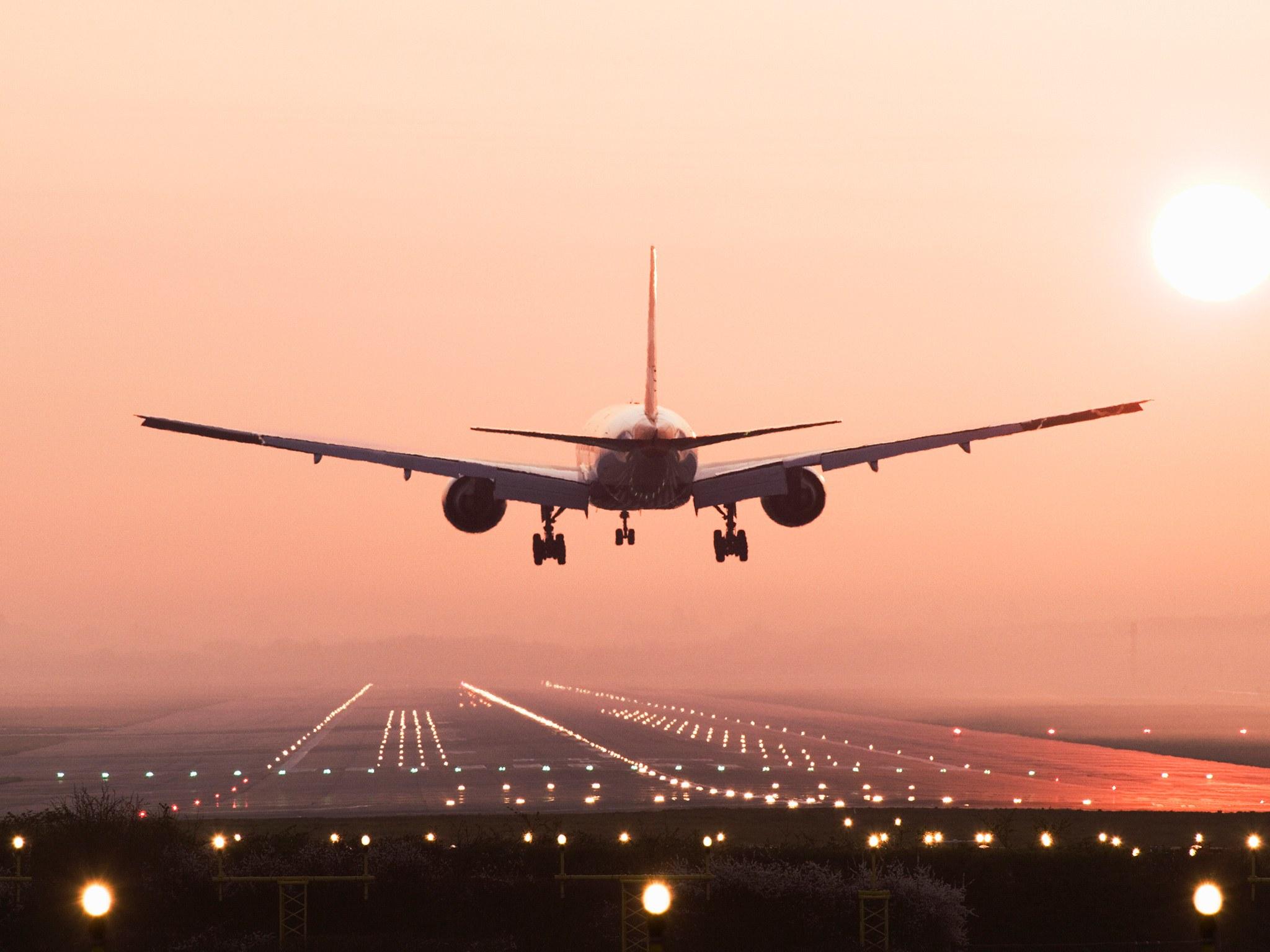 Please Don't Clap When the Plane Lands - Condé Nast Traveler