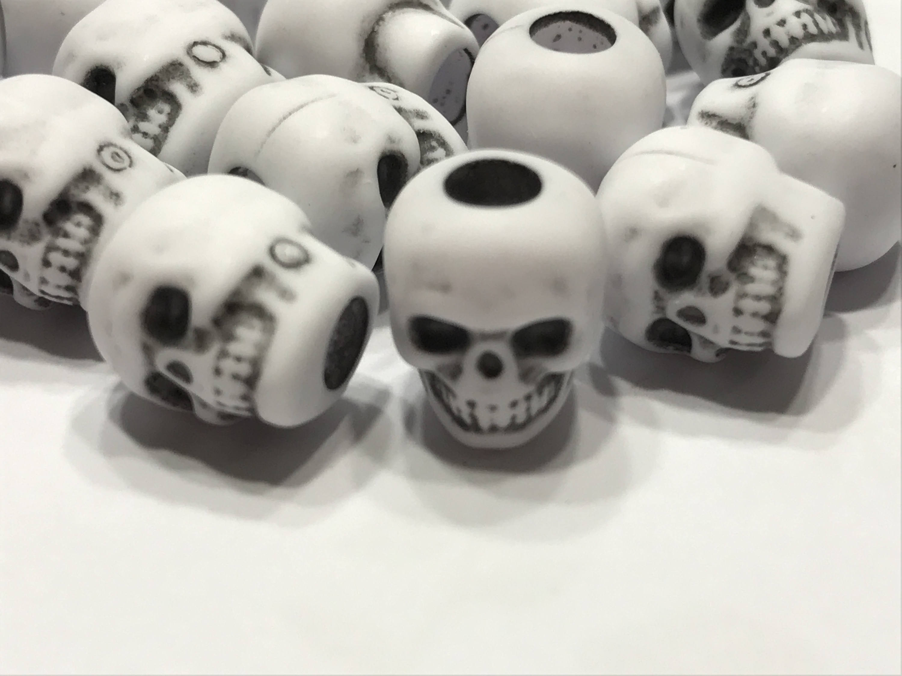 Plastic skull photo