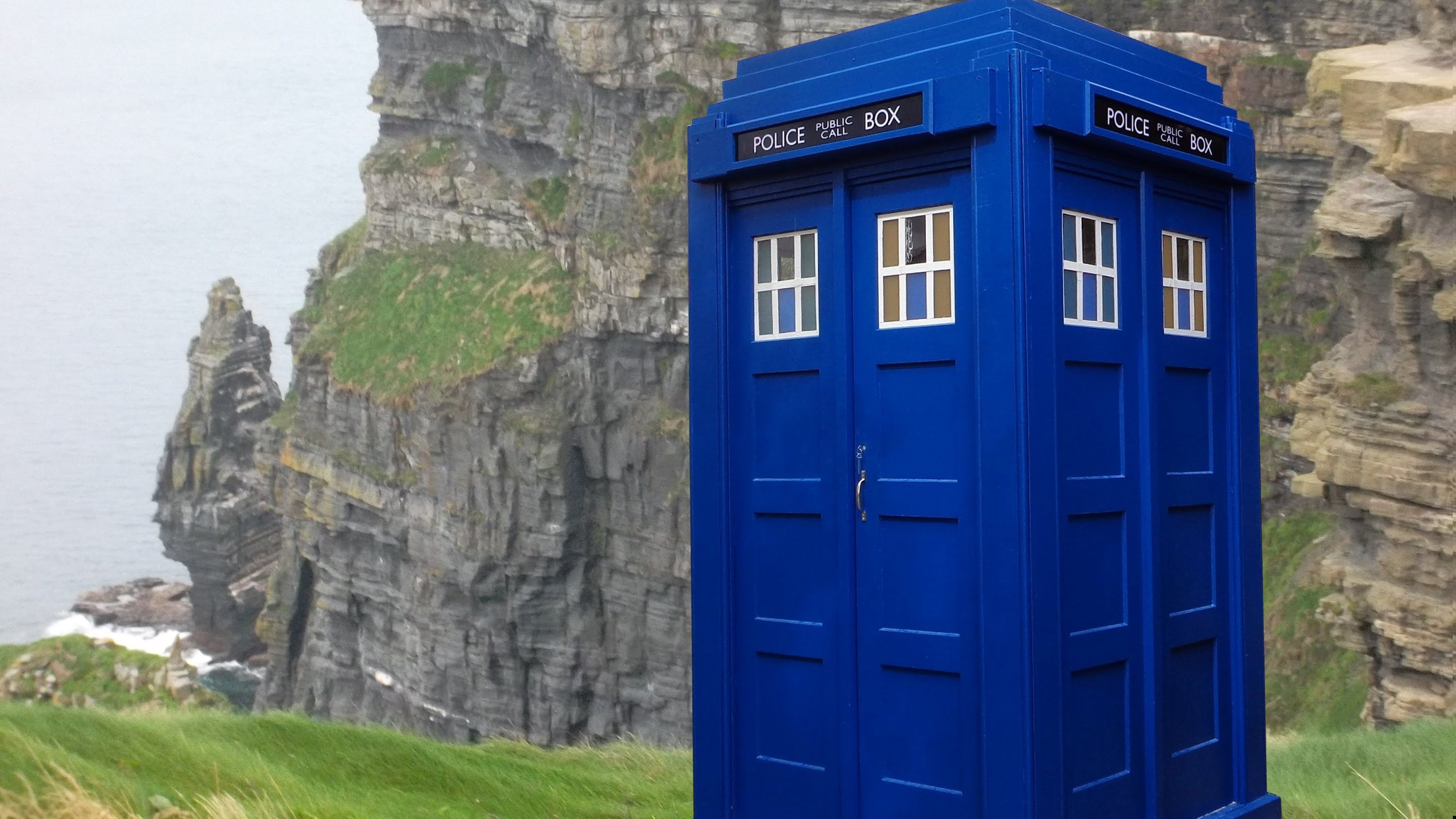 Building a Police Box a.k.a. The Doctor's TARDIS - YouTube