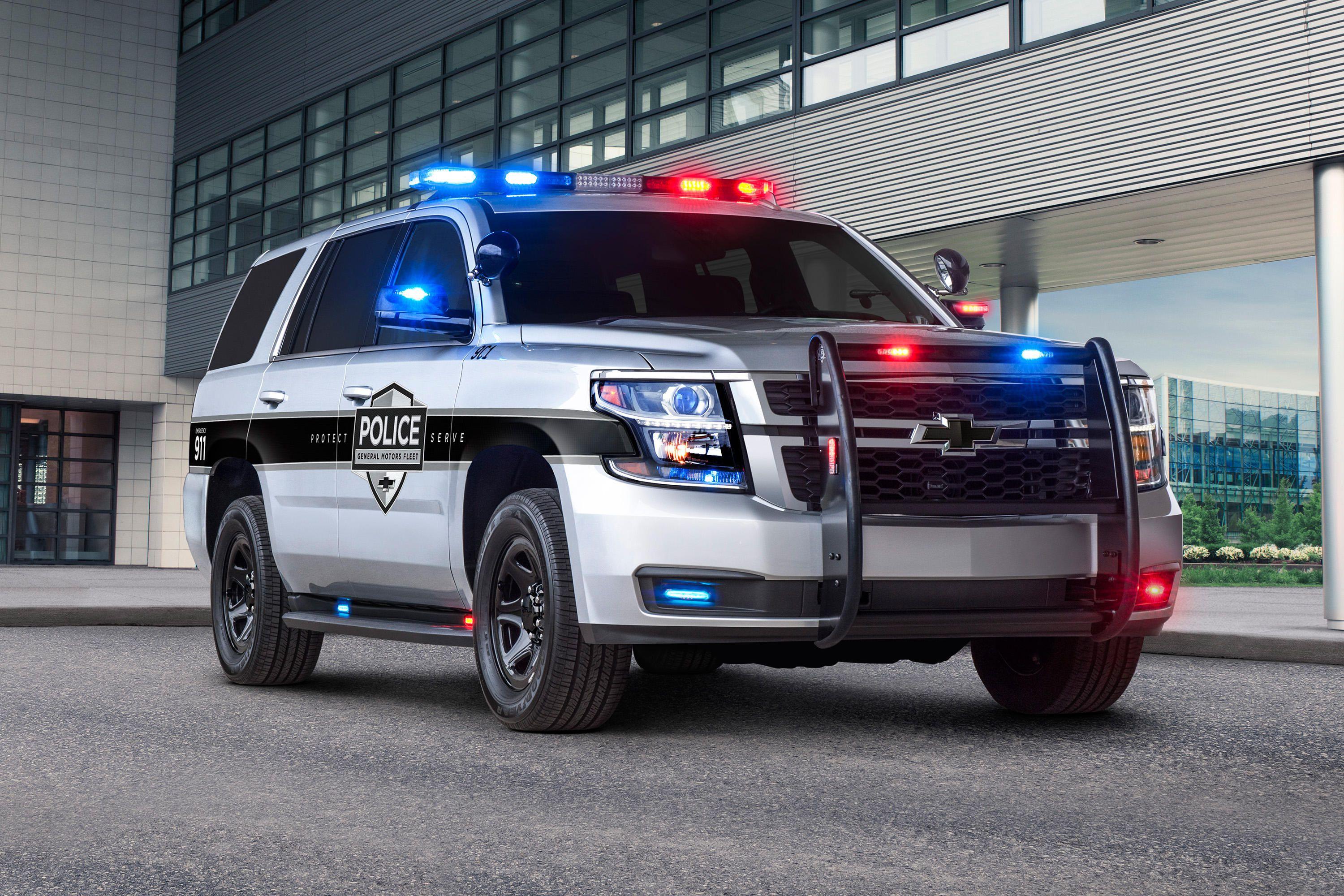 Chevy Tahoe becomes first 'pursuit-rated' police car with autobrake ...