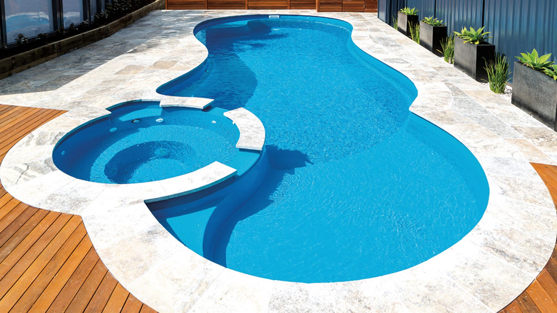 Pool Design: The Beauty of a Combination of Features | Leisure Pools USA