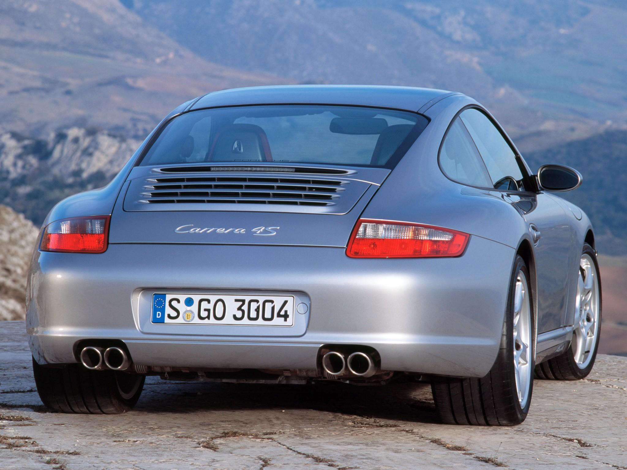 Porsche carrera 4s photo