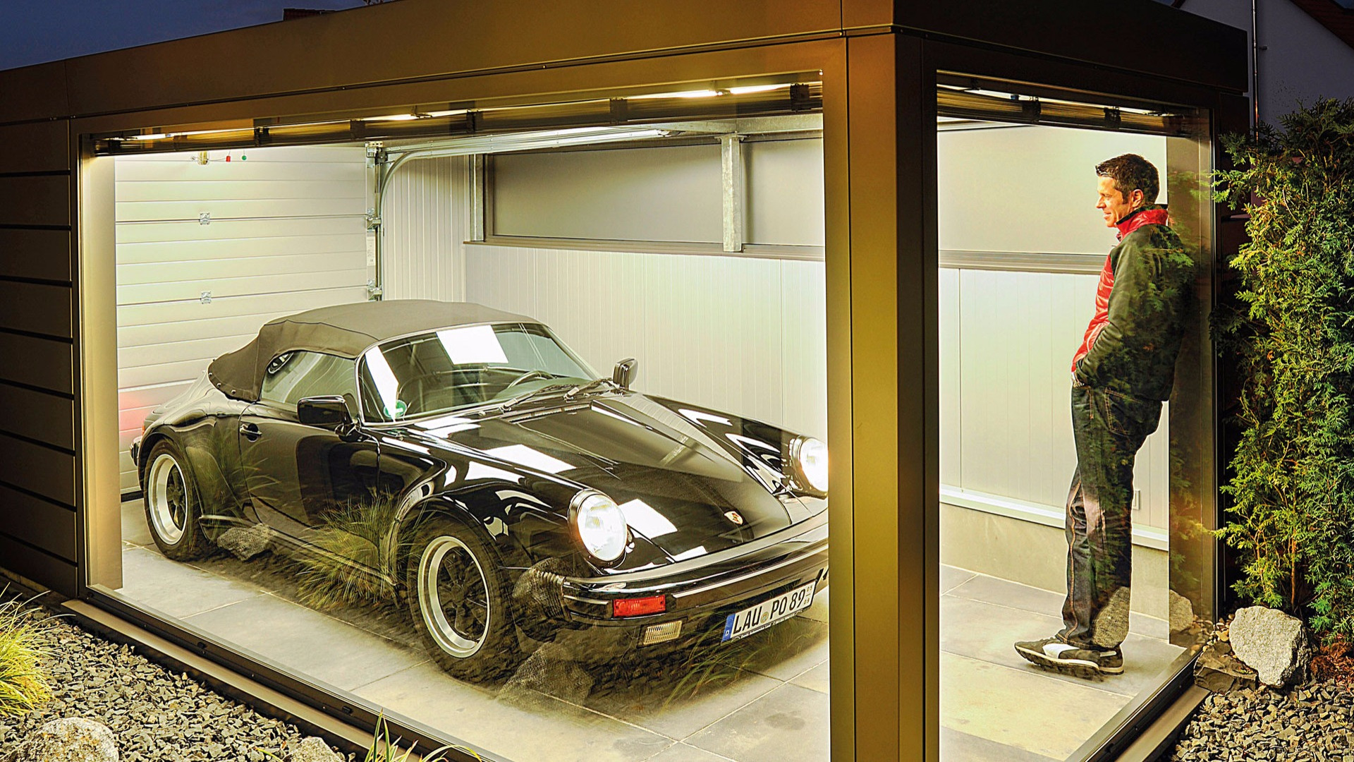 Porsche 911 owner builds bonkers garage for all the right reasons