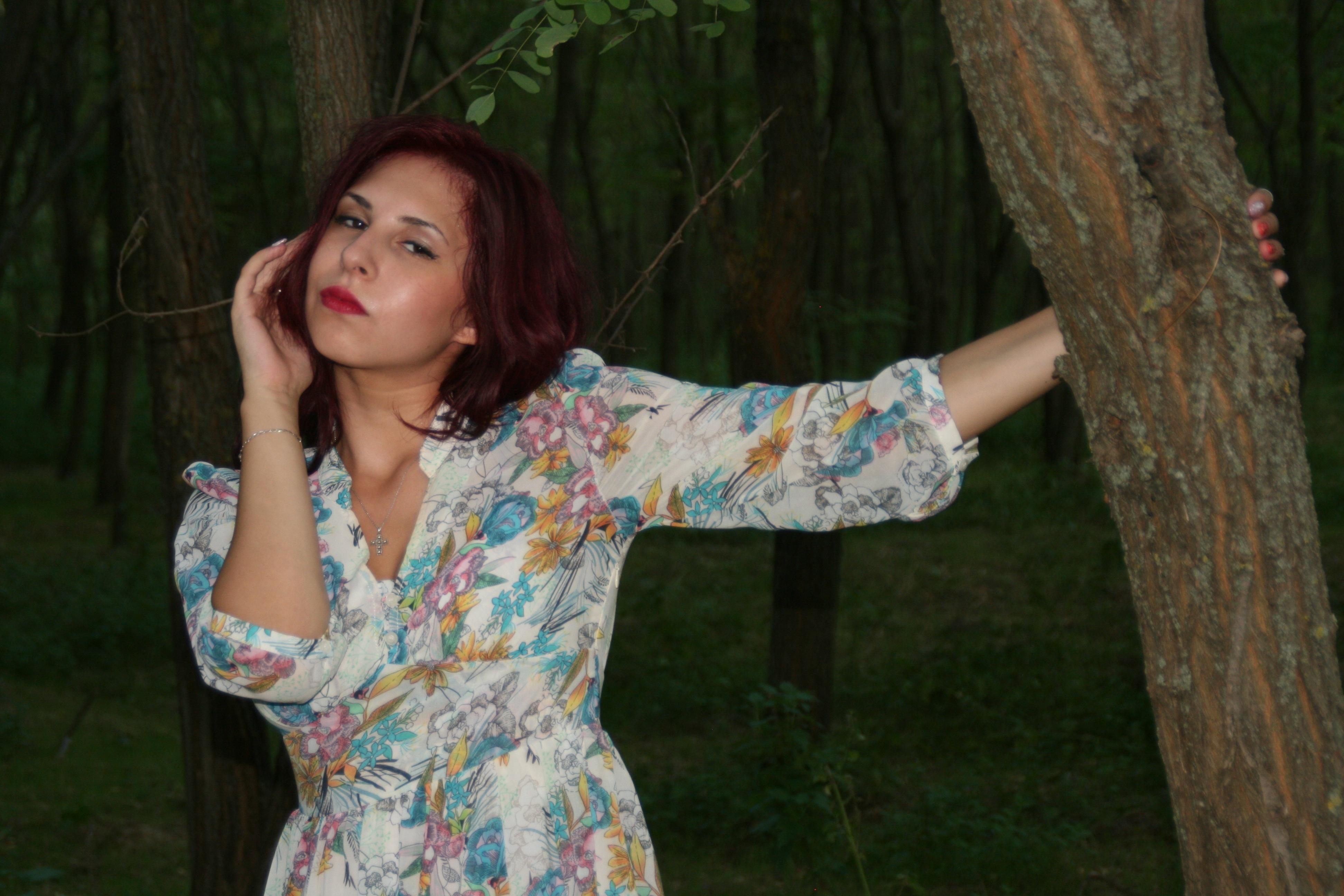 Pose, Tree, Wood, Jungle, Human, HQ Photo