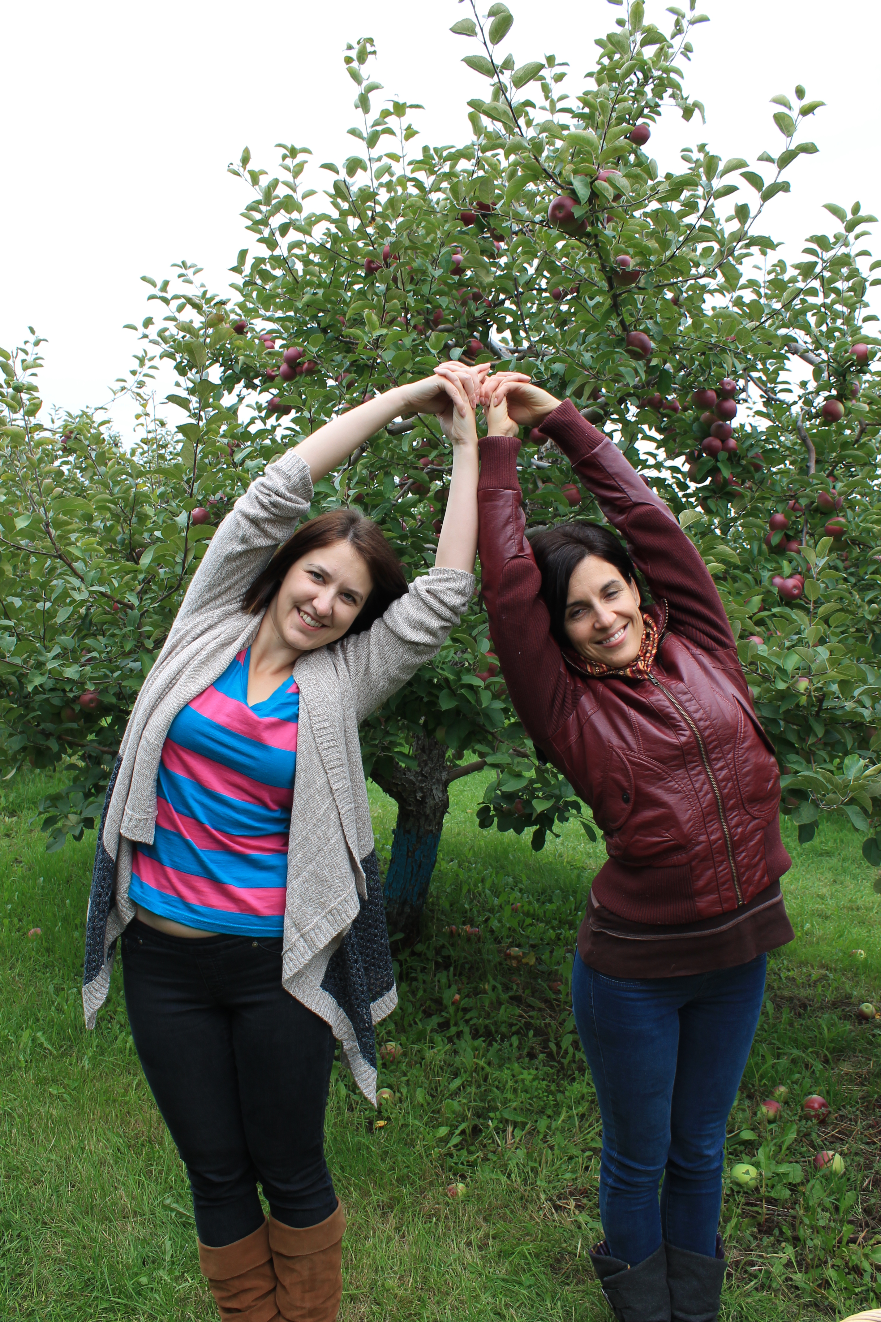 Pose with apples photo