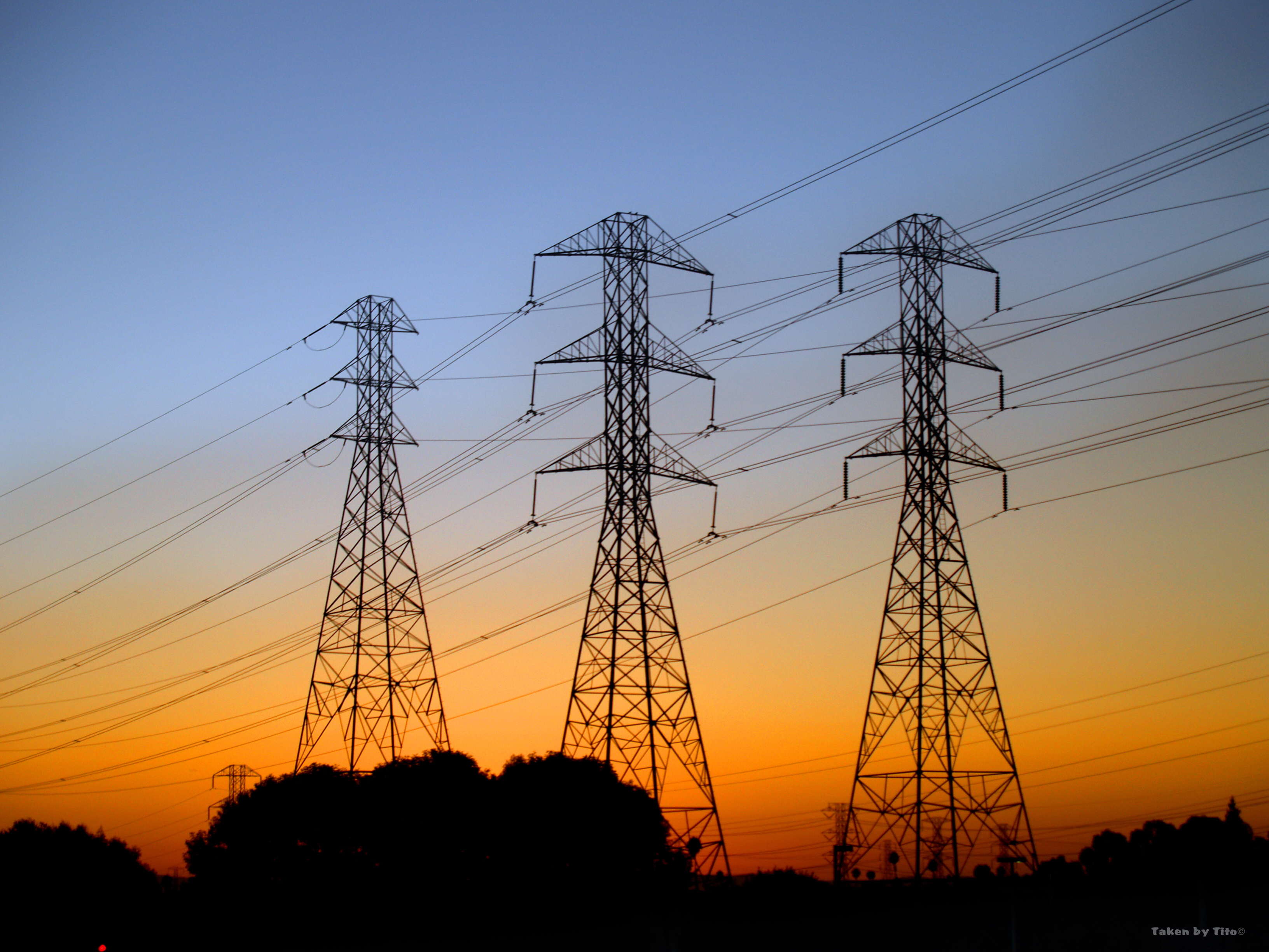 Overhead Transmission Lines Being Taken Down in the UK | R.E.T.A.