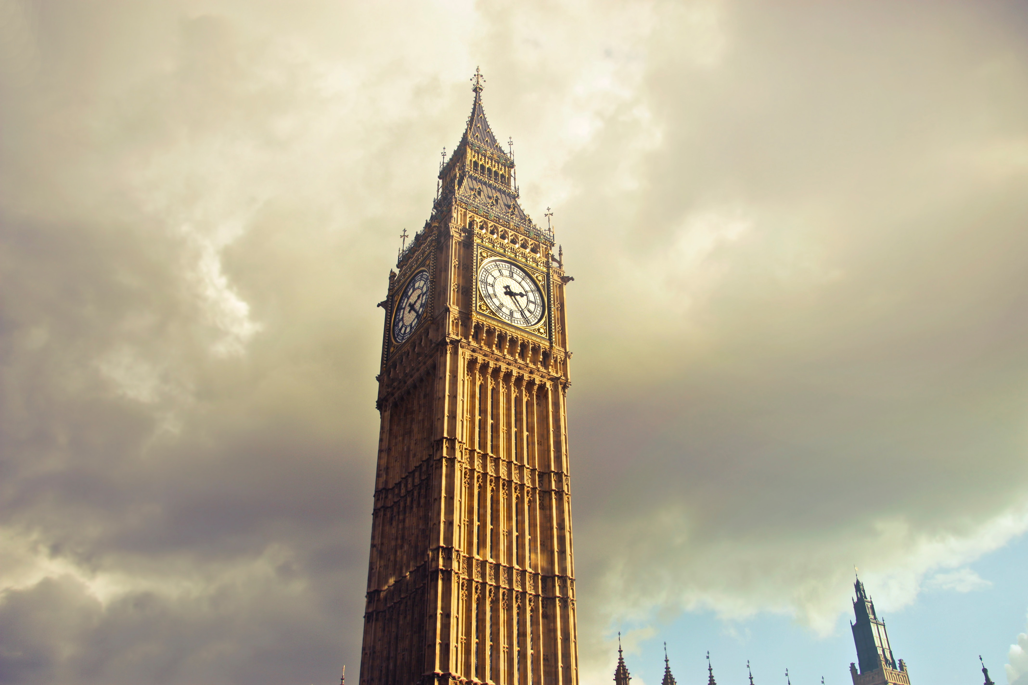 Queen elizabeth tower, london photo