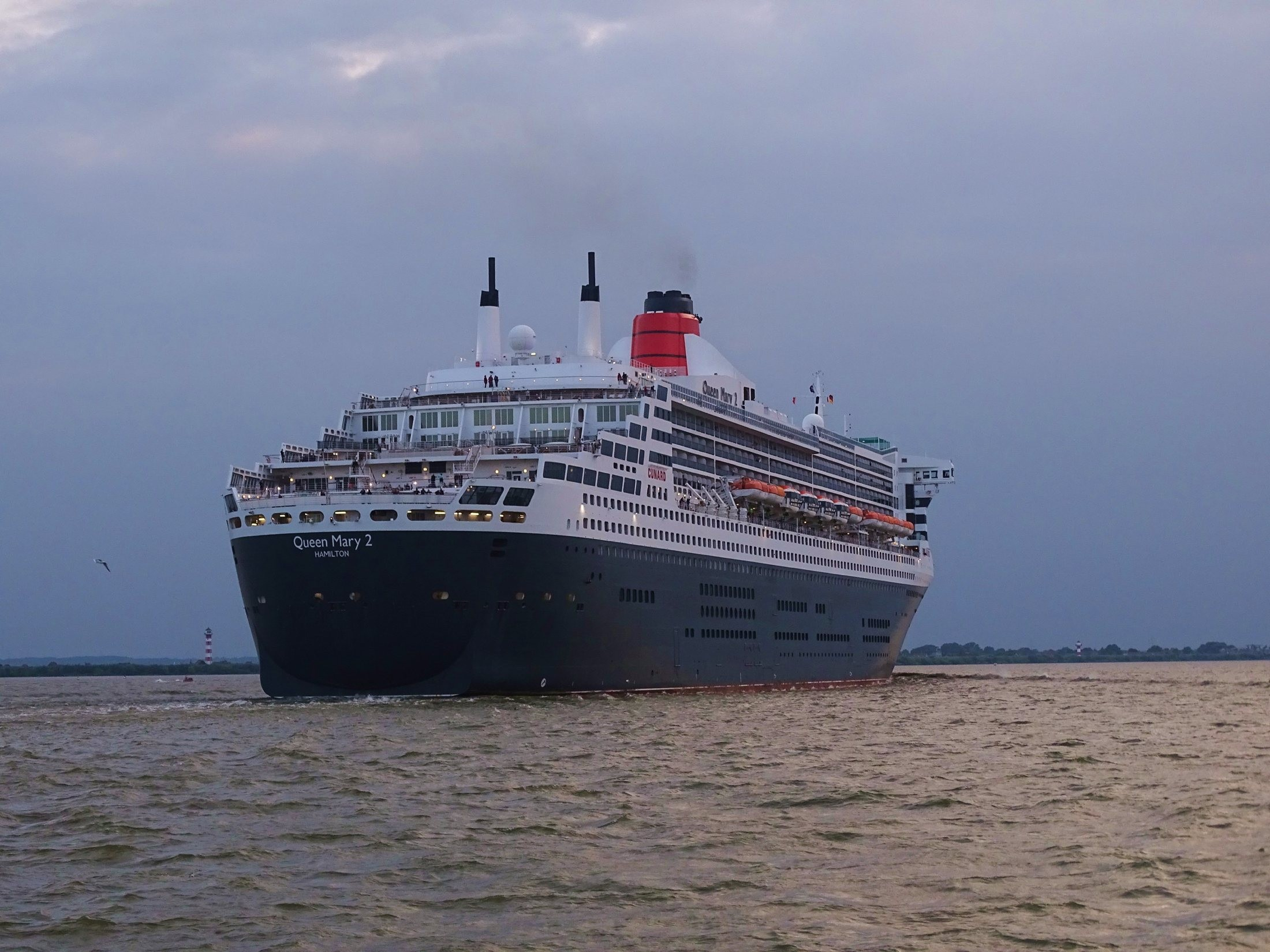 Queen Mary 2 Cruise Ship,Cunard Line - Reviews & Availability ...