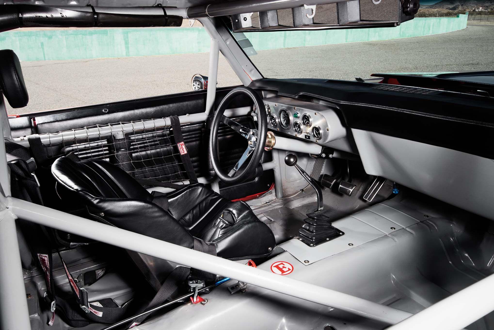 1969-Chevrolet-Camaro-Trans-Am-Race-Car-interior-02.jpg (2038×1360 ...