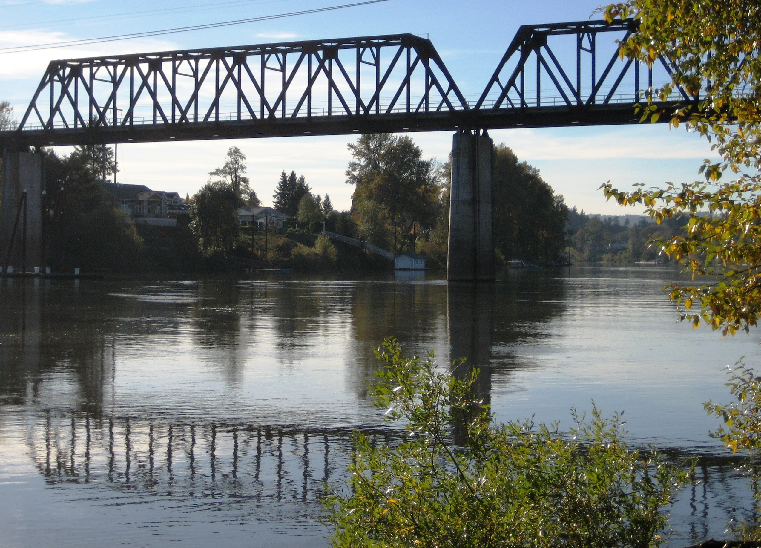 File:Wilsonville railroad bridge 2.JPG - Wikimedia Commons