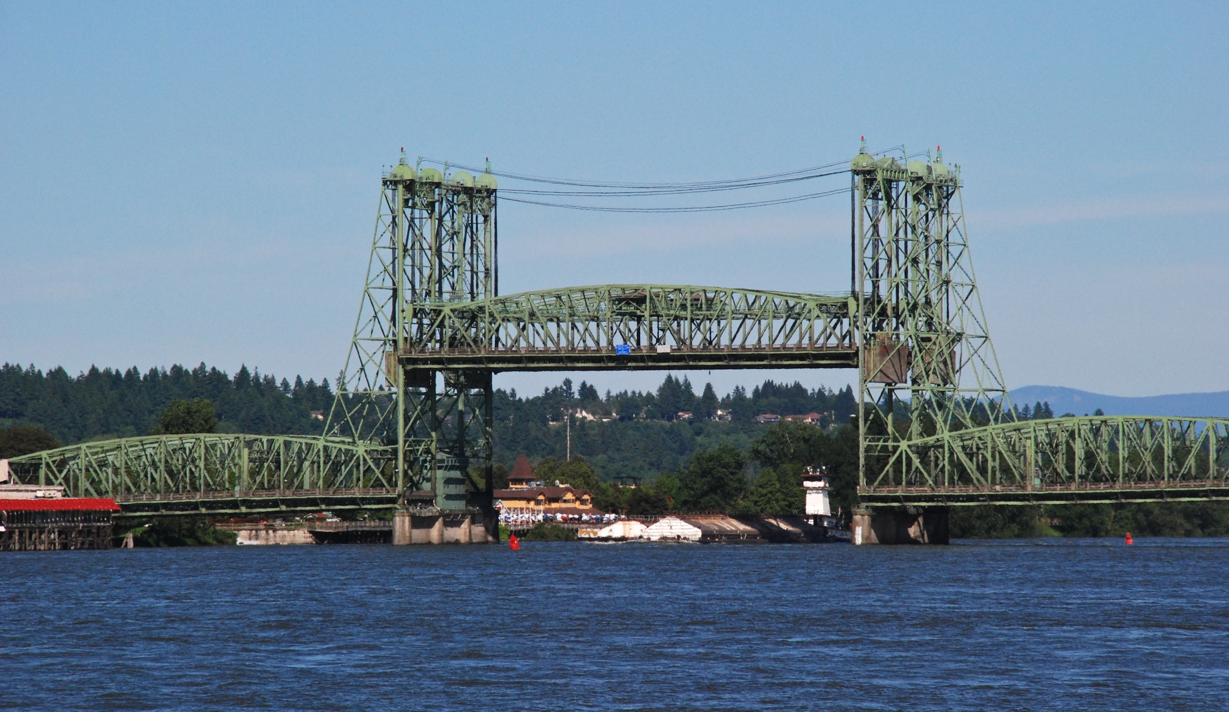 File:Interstate Br lift span raised, barge passing under.jpg ...