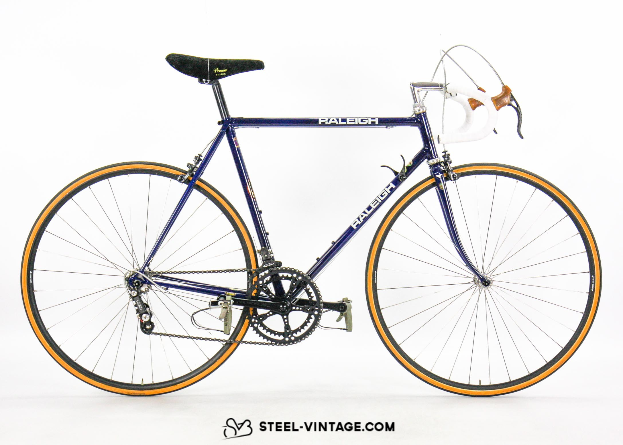 Steel Vintage Bikes - Team Raleigh SBDU Lightweight Bike 1980s