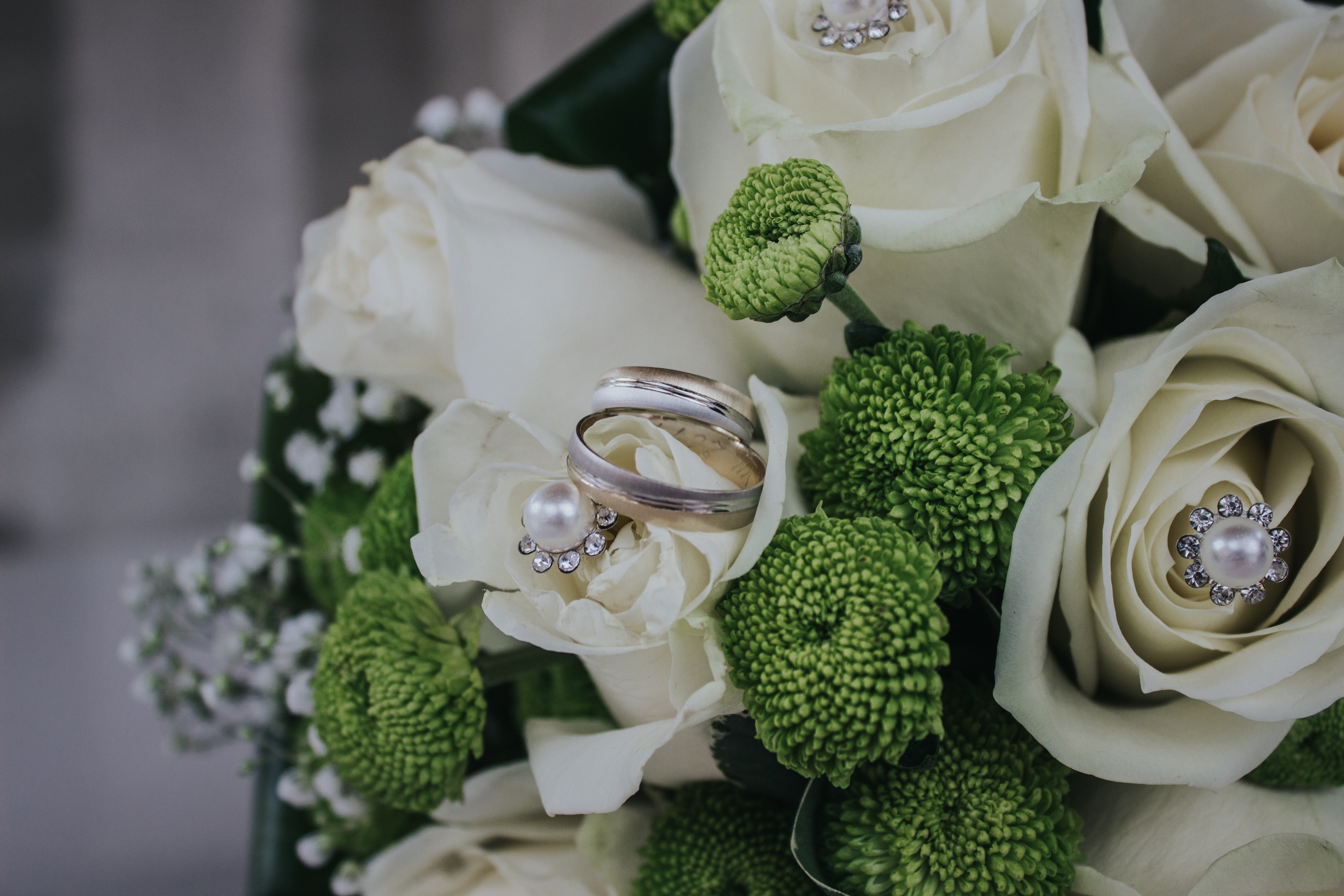 Red and Green Petaled Flowers Bouquet With Silver-colored Ring, Roses, Petals, Wedding bouquet, White, HQ Photo