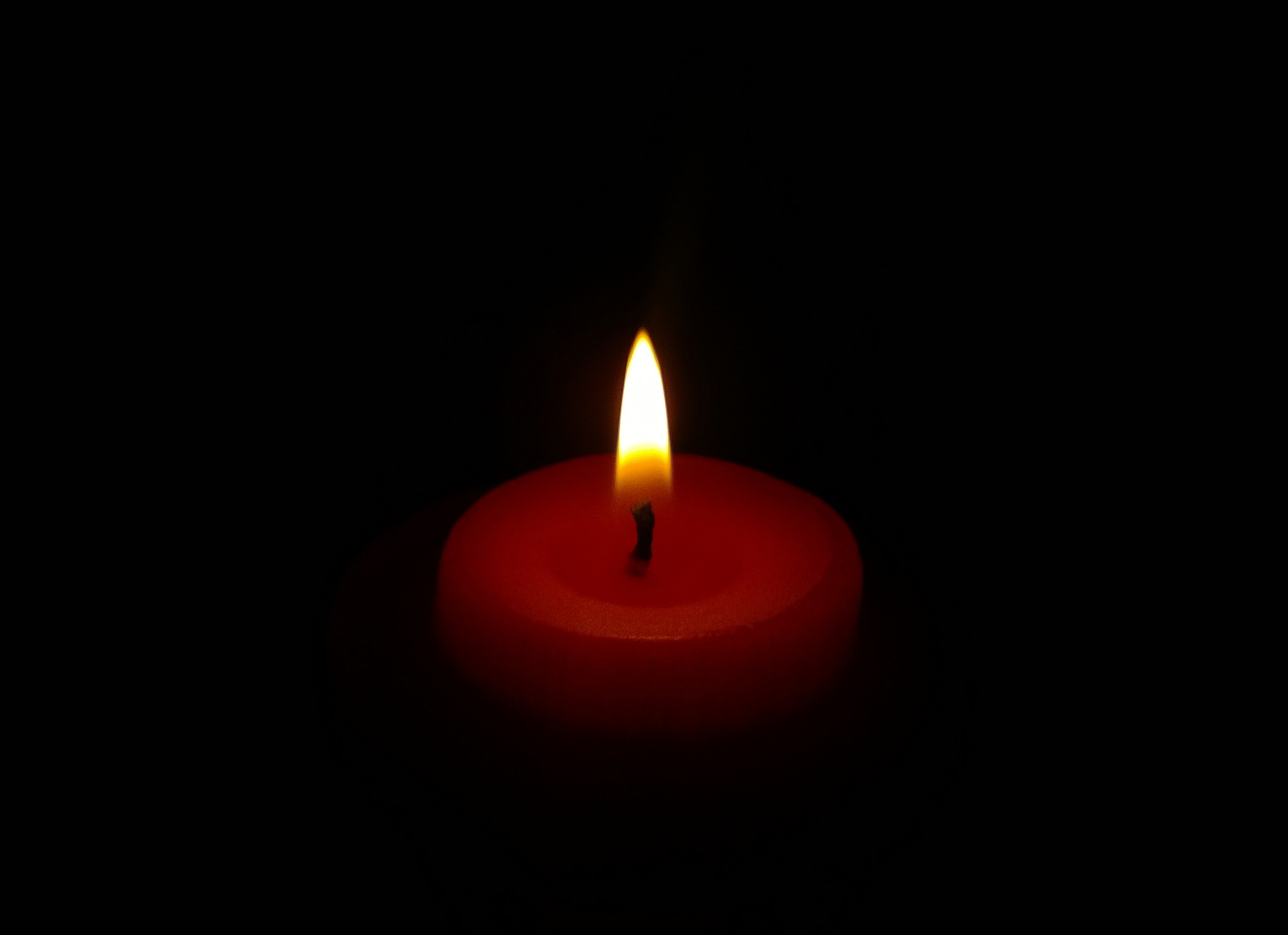 File:Red candle.jpg - Wikimedia Commons