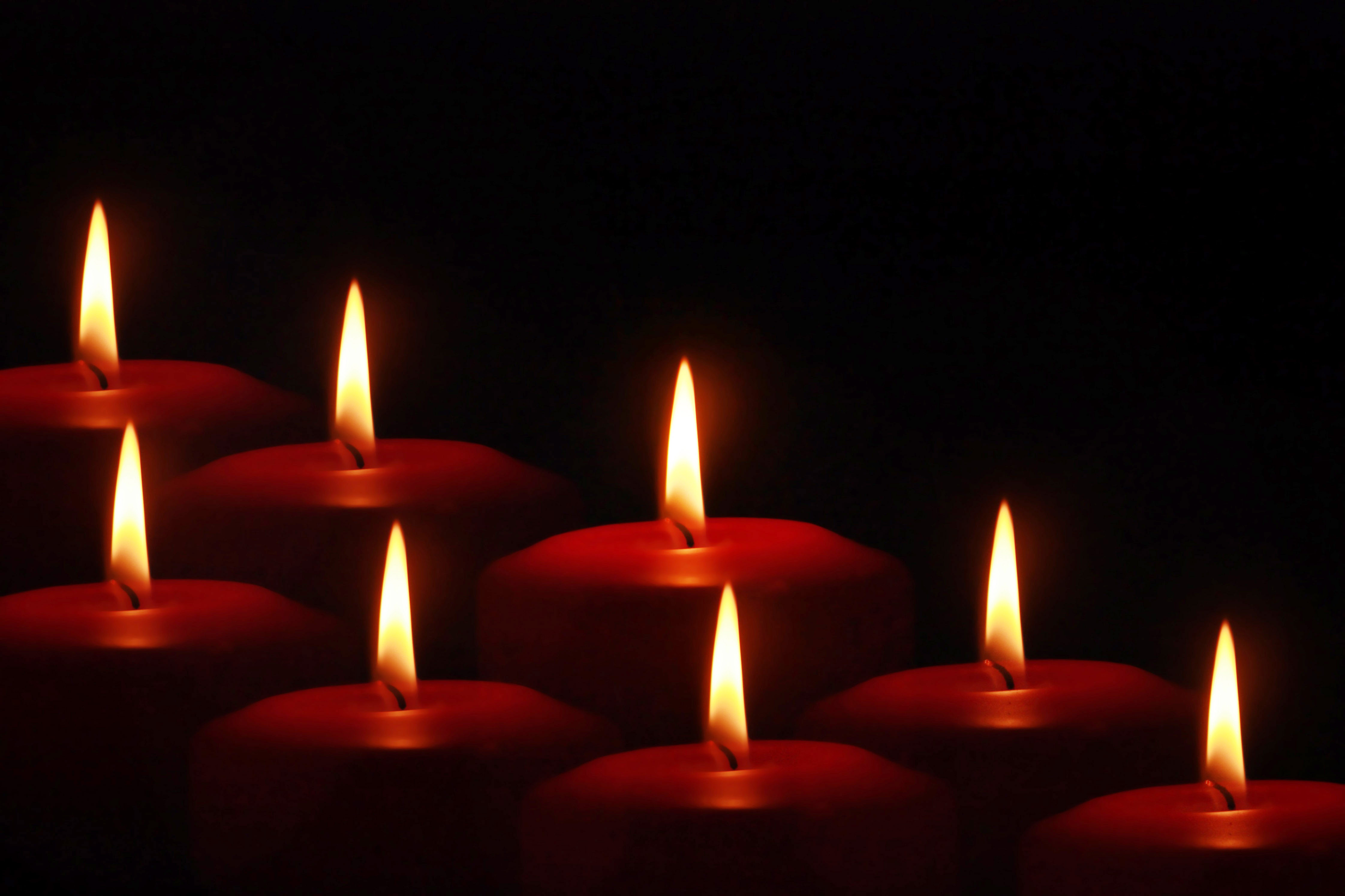 red candles - 5 - In Decors