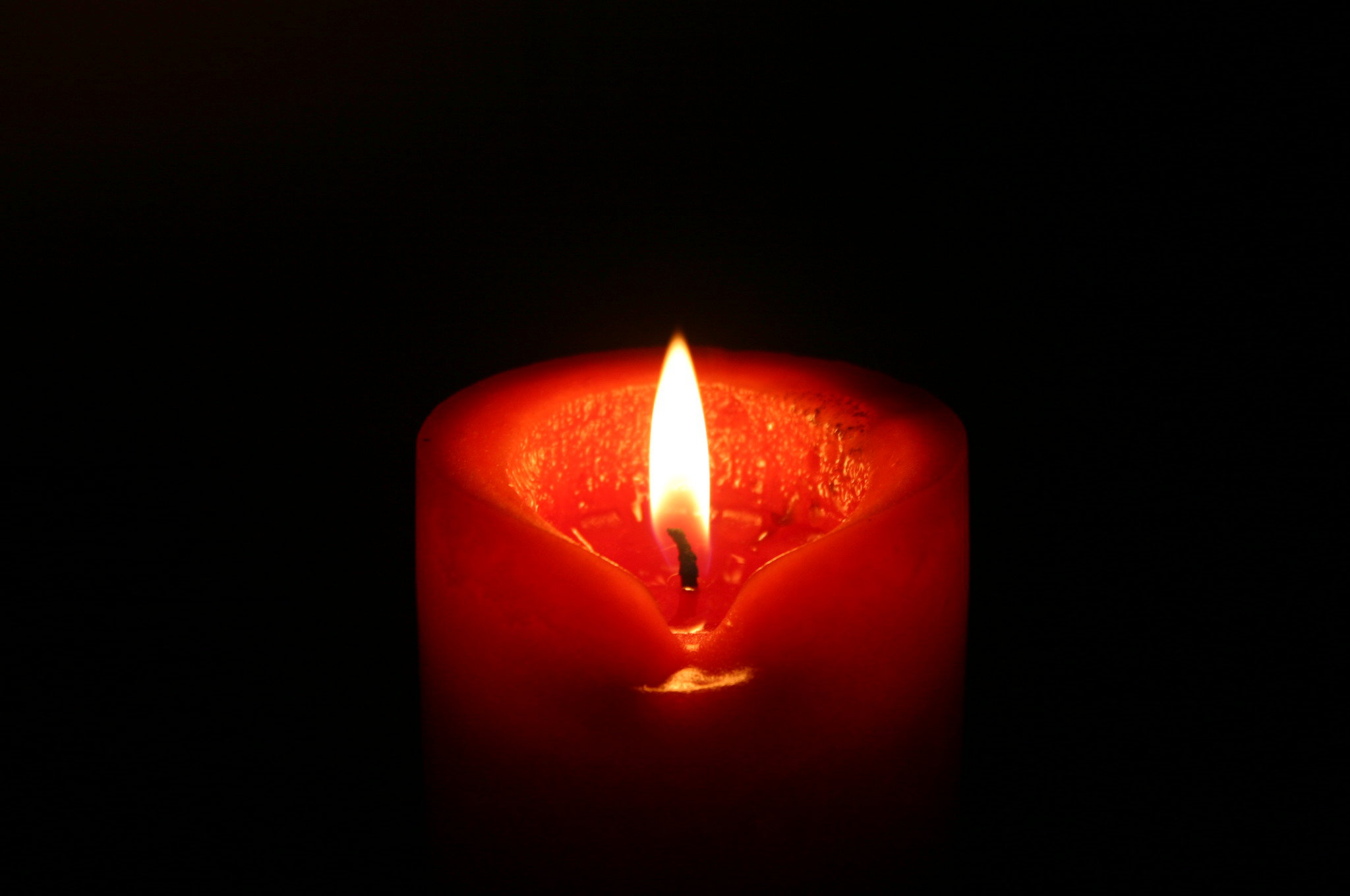 dark red candle by piscue on DeviantArt