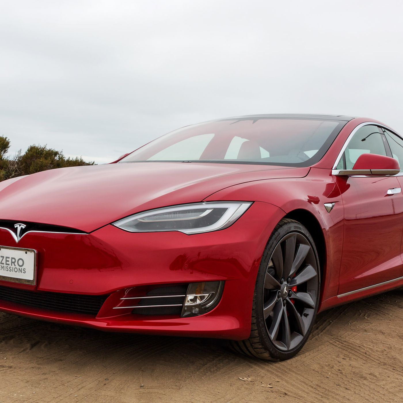 Tesla Model S P100D review: the ultimate status symbol of California ...