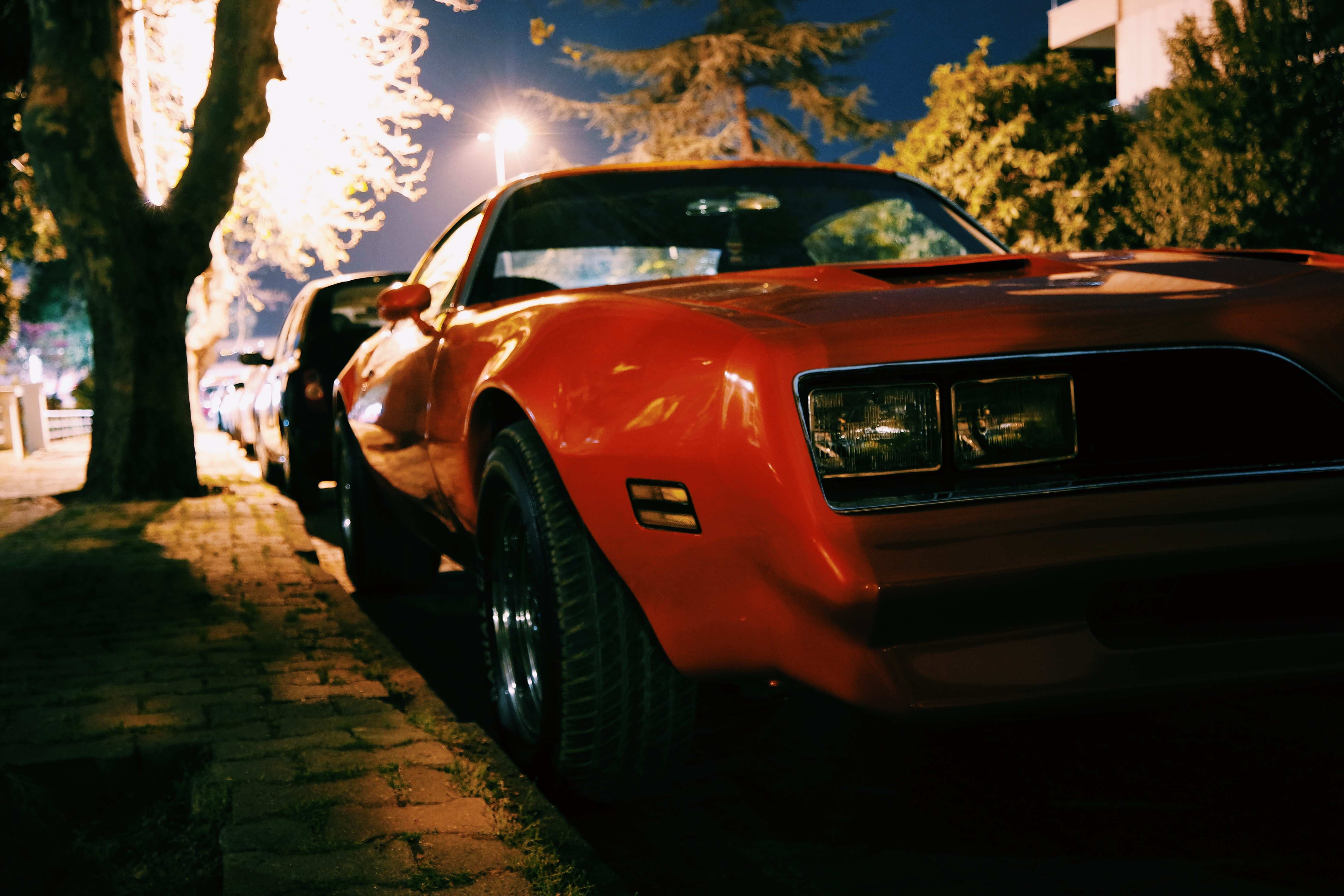 Free Photo Red Classic Muscle Car Sidewalk Vintage Car Parked